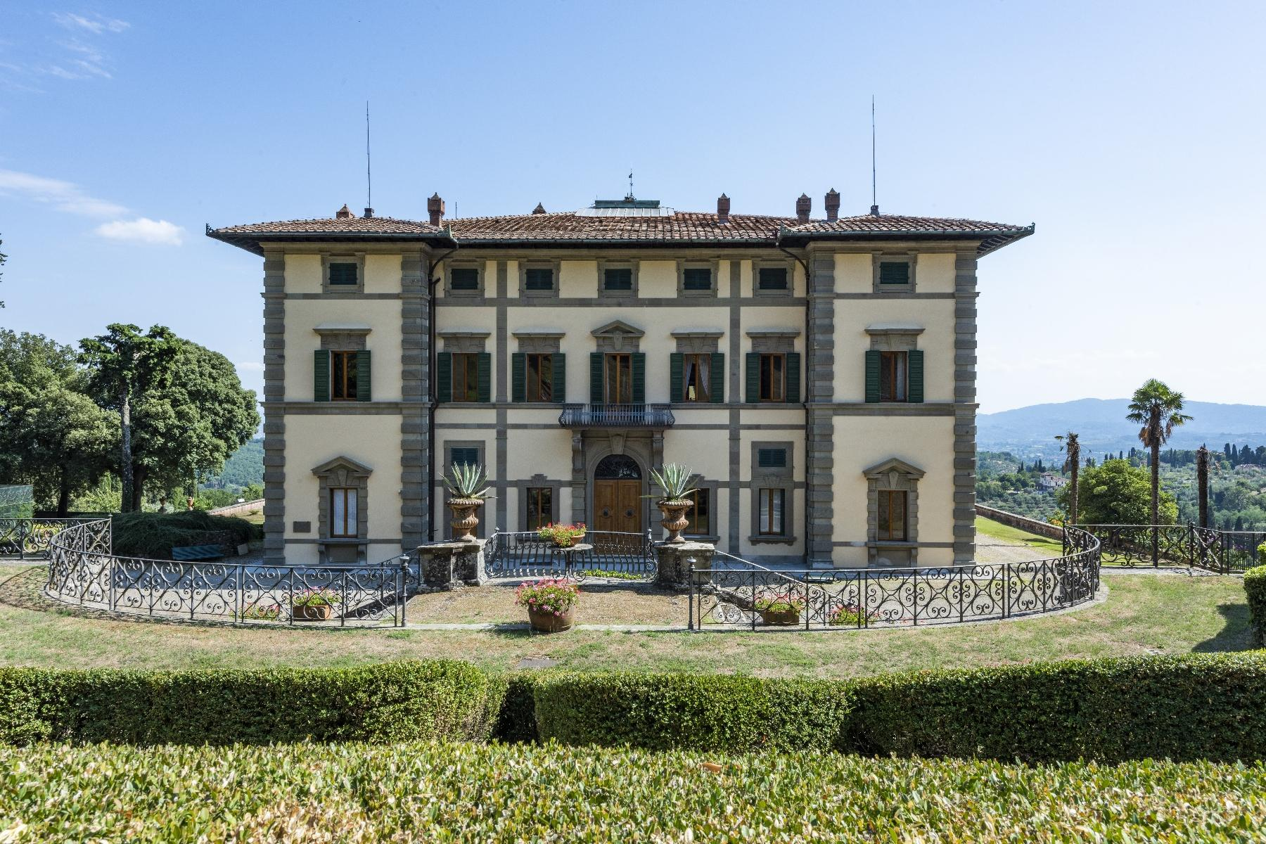 Majestic neo-classical villa - 3