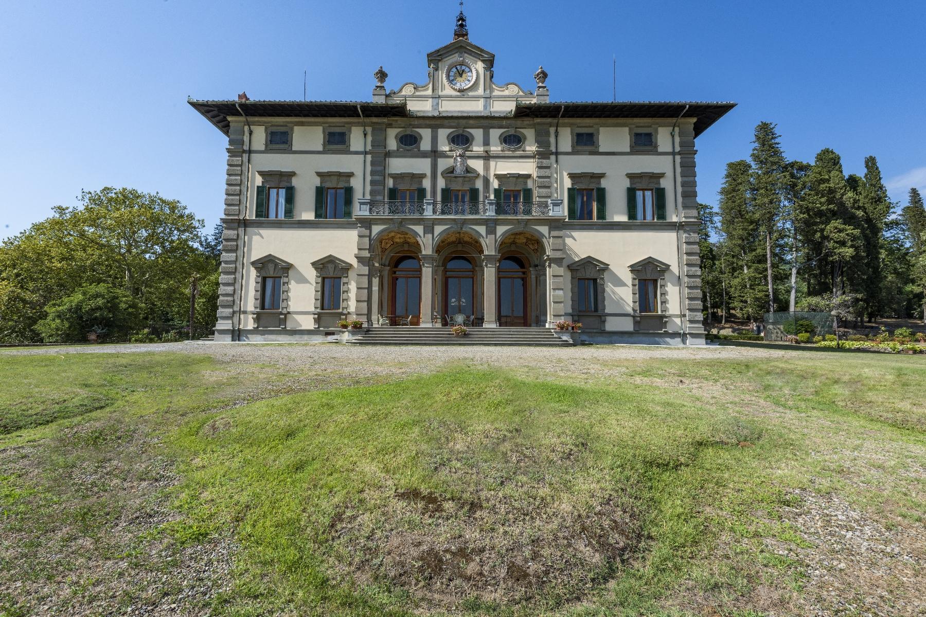 Majestic neo-classical villa - 2