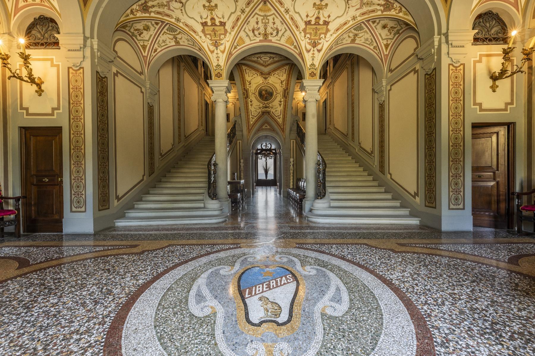 Majestic neo-classical villa - 7