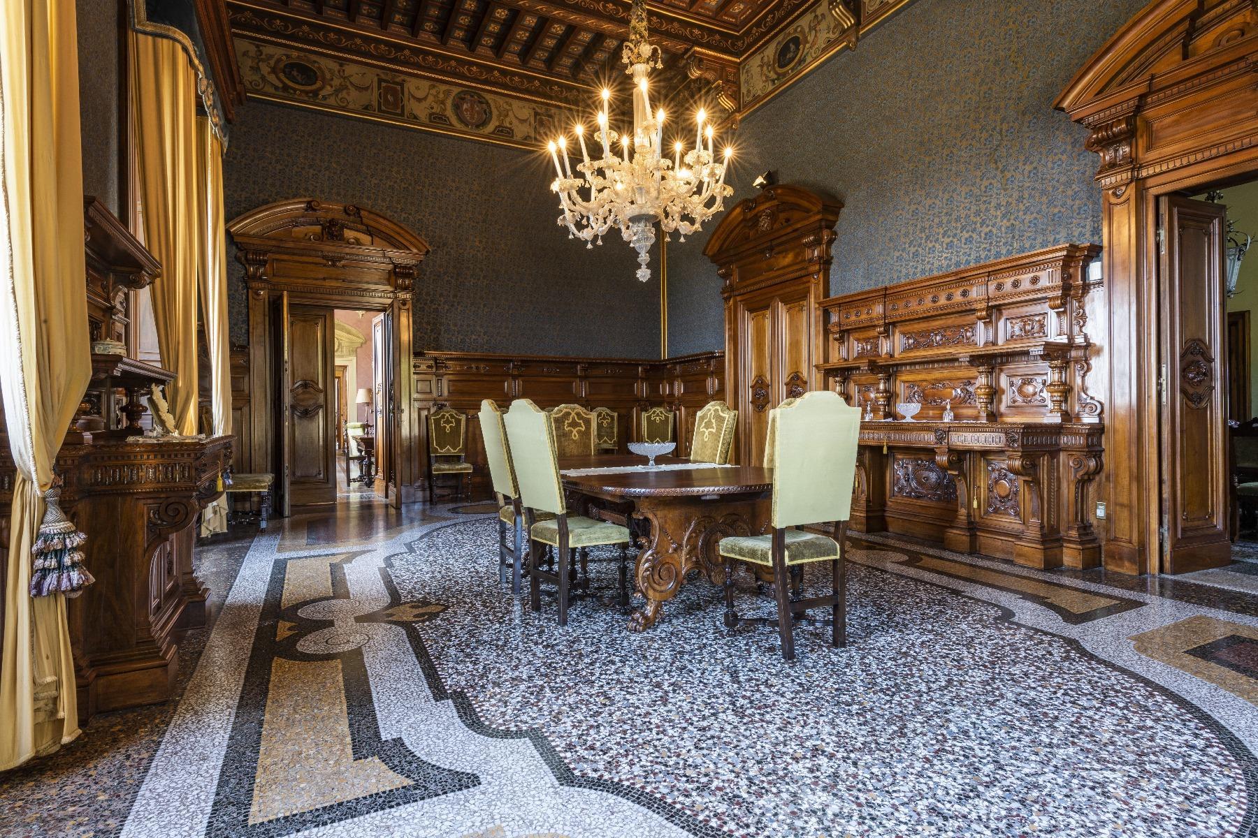 Maestosa Villa in stile Neo-Classico - 14