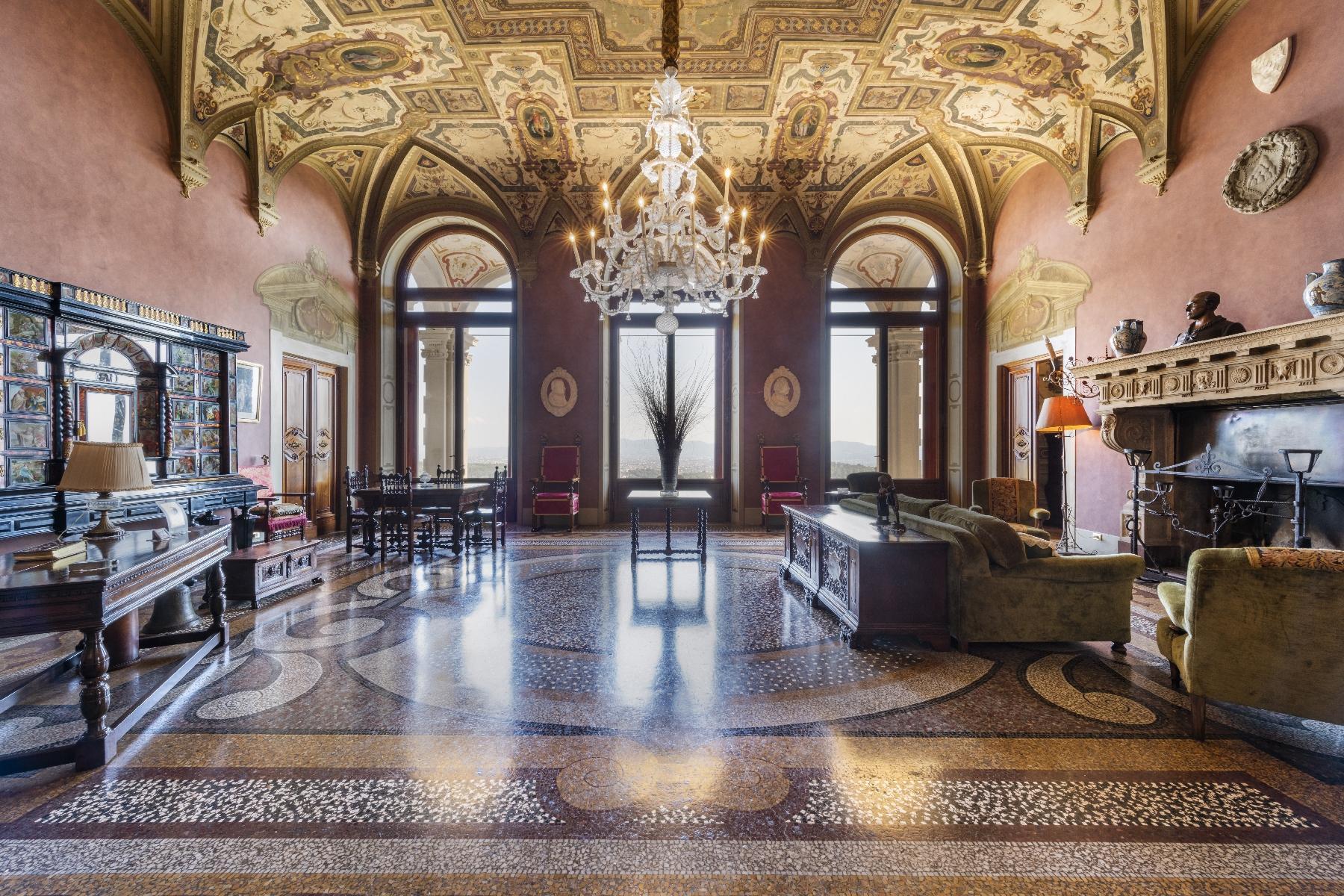 Maestosa Villa in stile Neo-Classico - 16