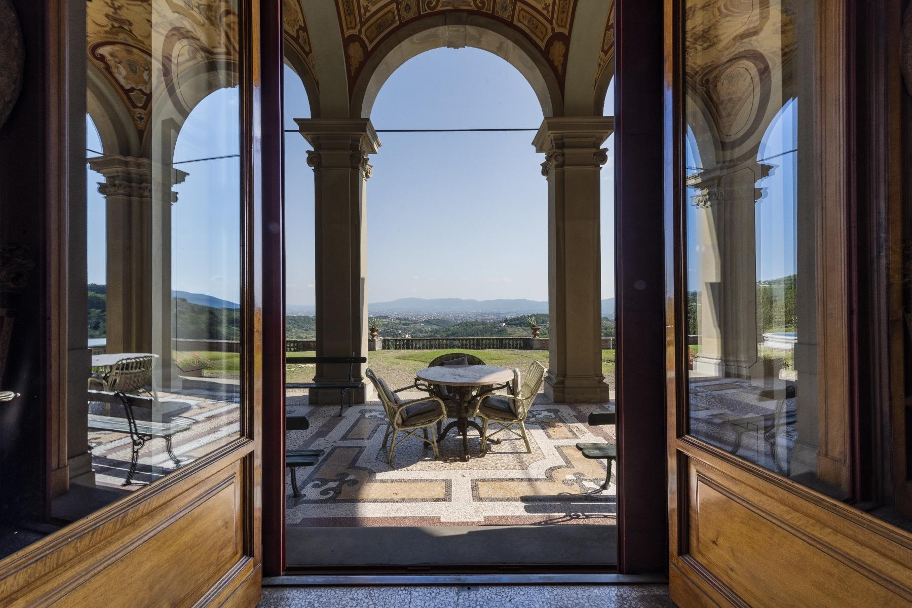 Majestic neo-classical villa - 8