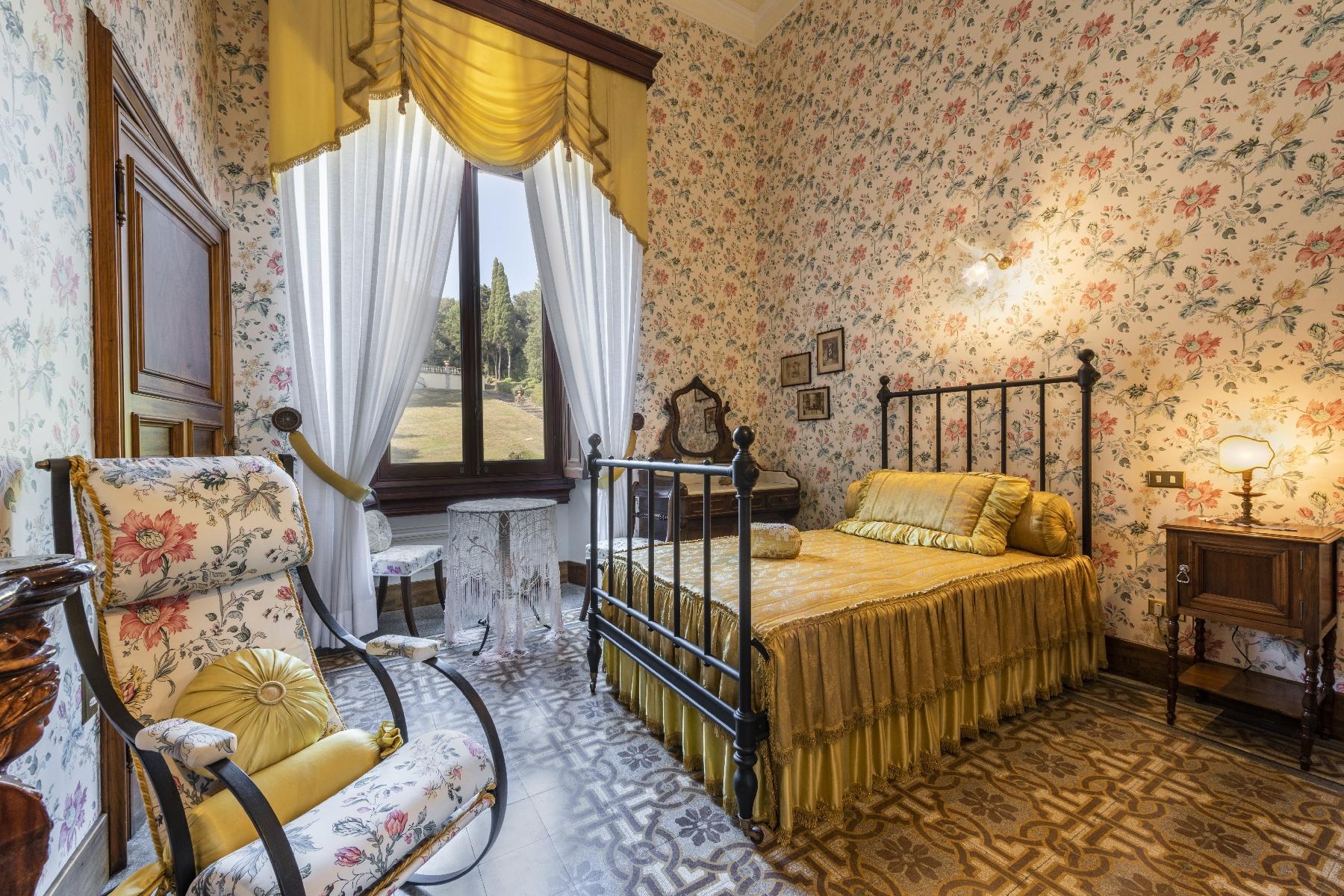Maestosa Villa in stile Neo-Classico - 23