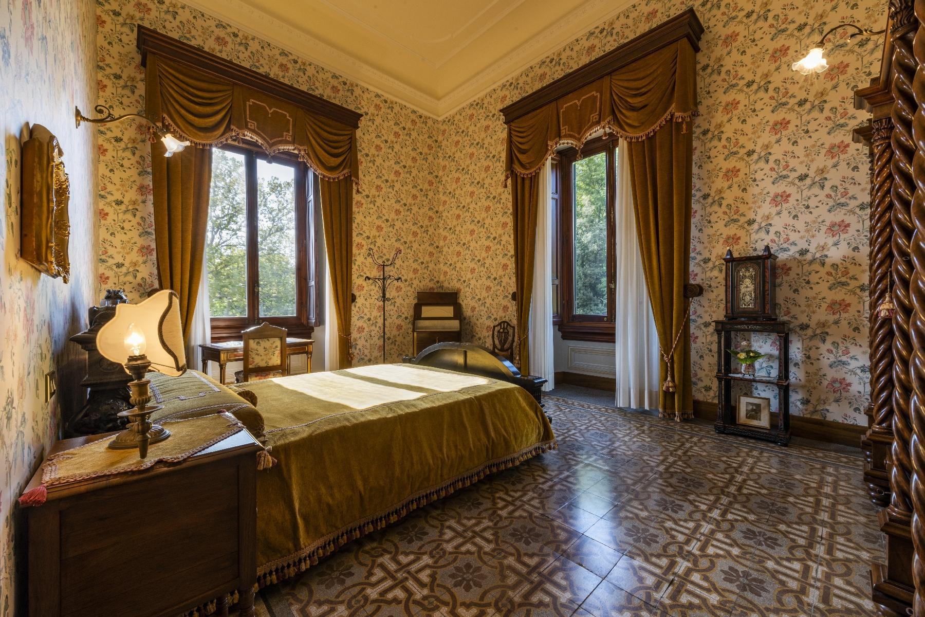 Maestosa Villa in stile Neo-Classico - 24