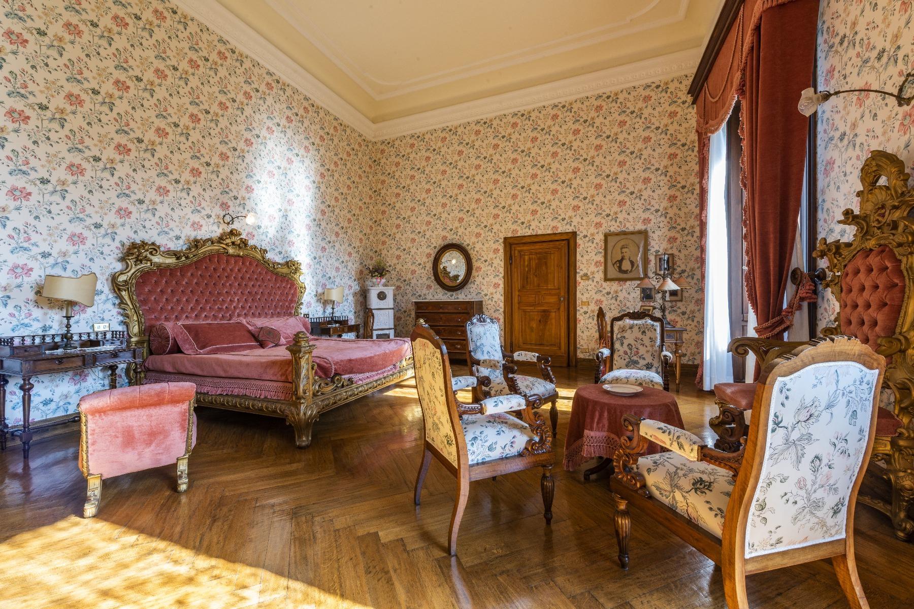 Maestosa Villa in stile Neo-Classico - 25