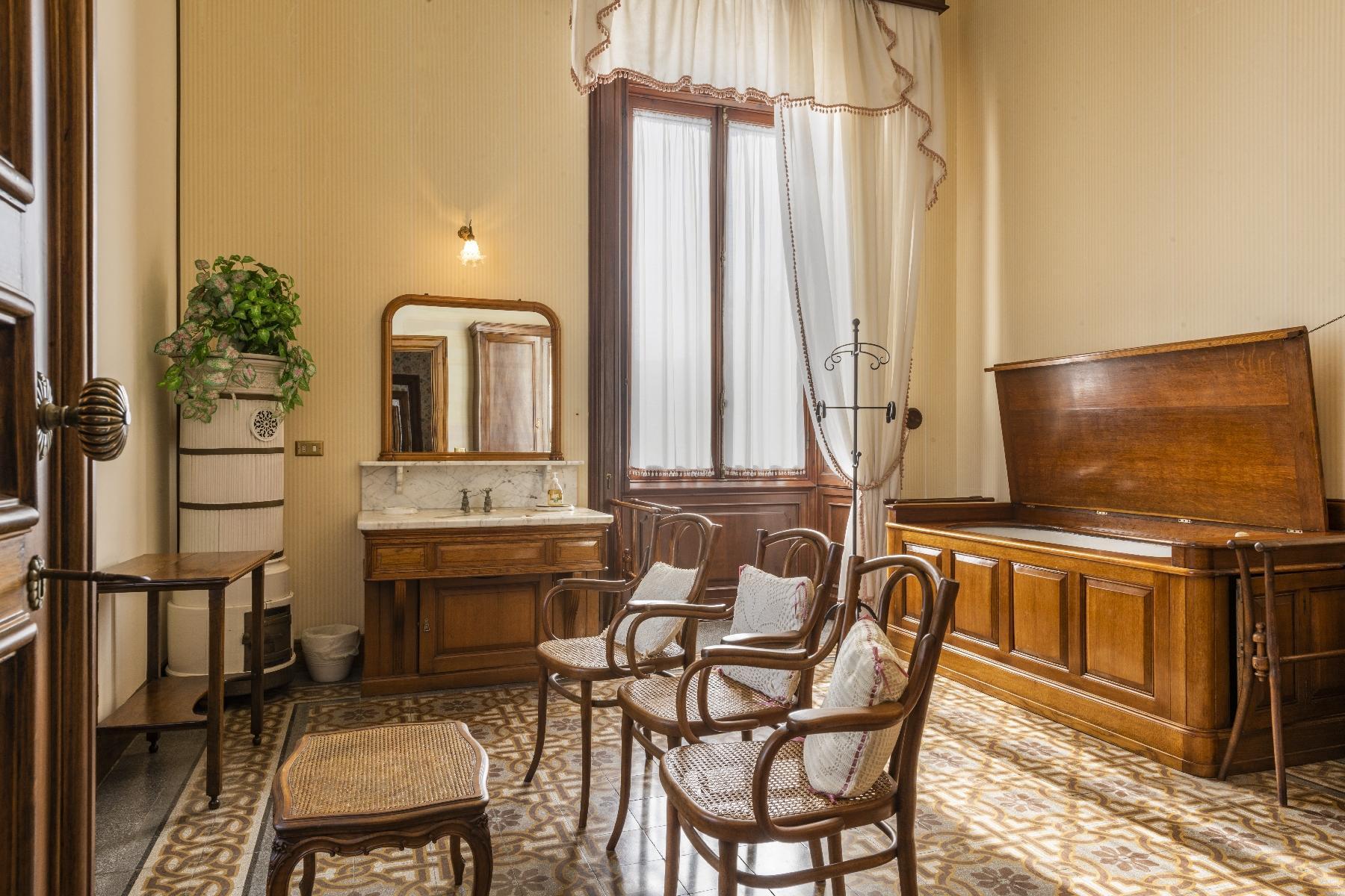 Maestosa Villa in stile Neo-Classico - 30