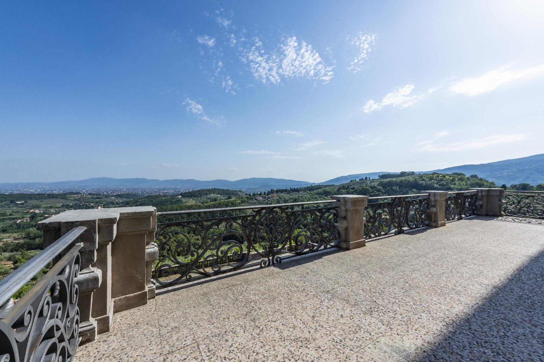Maestosa Villa in stile Neo-Classico - 26