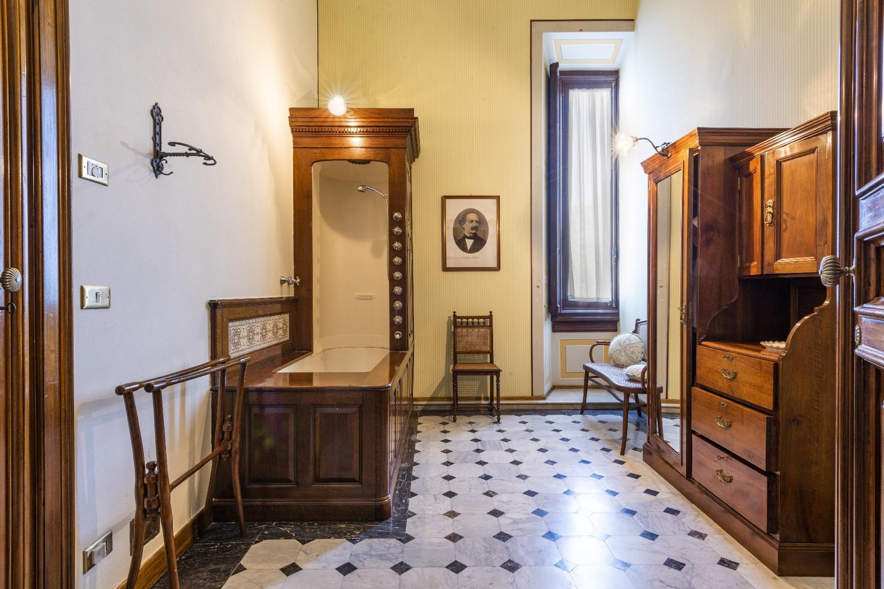 Maestosa Villa in stile Neo-Classico - 32