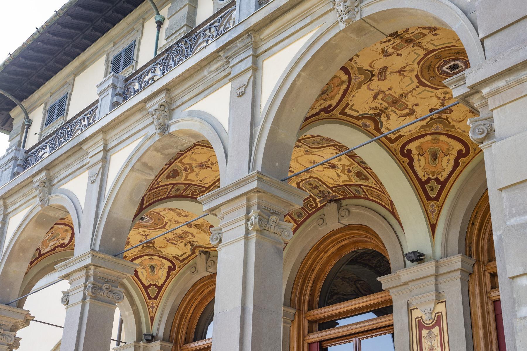 Maestosa Villa in stile Neo-Classico - 9
