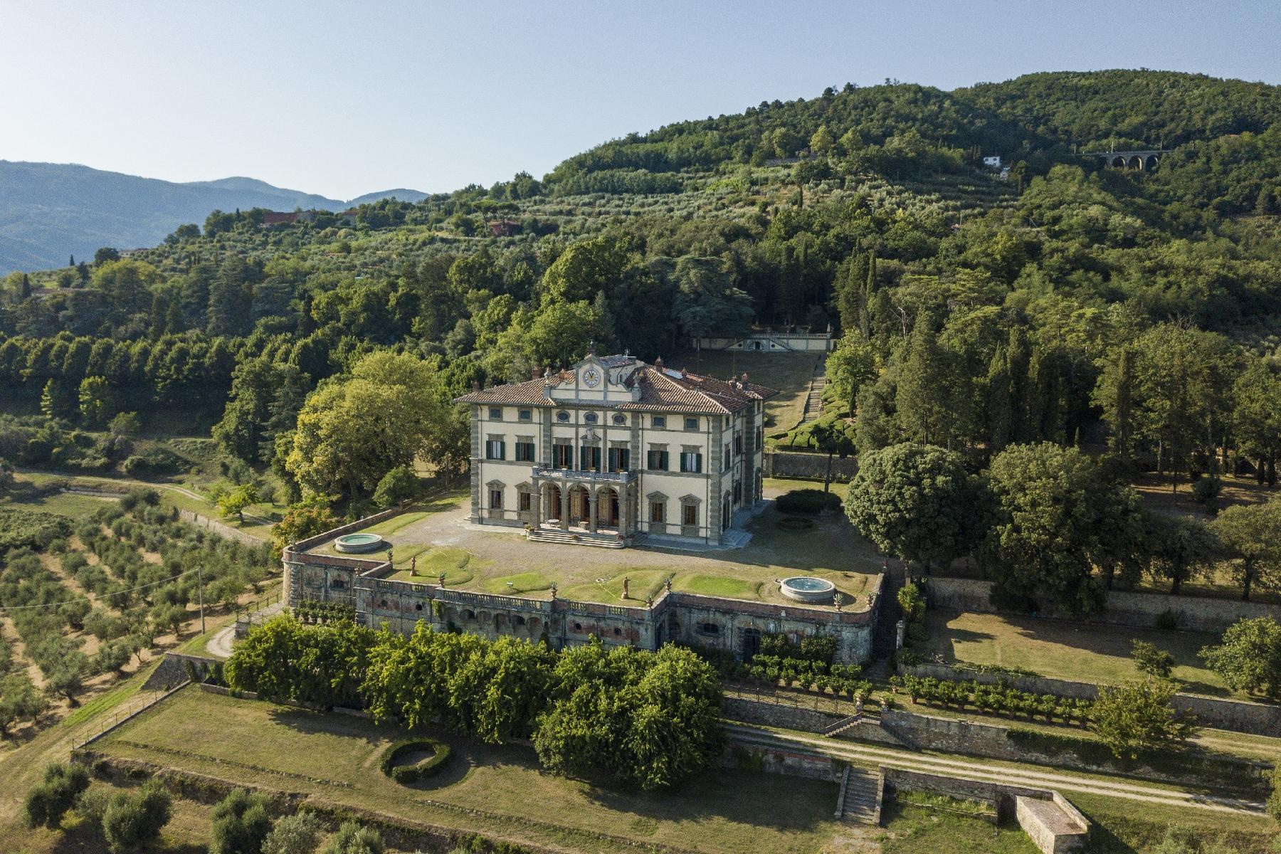 Majestic neo-classical villa - 1