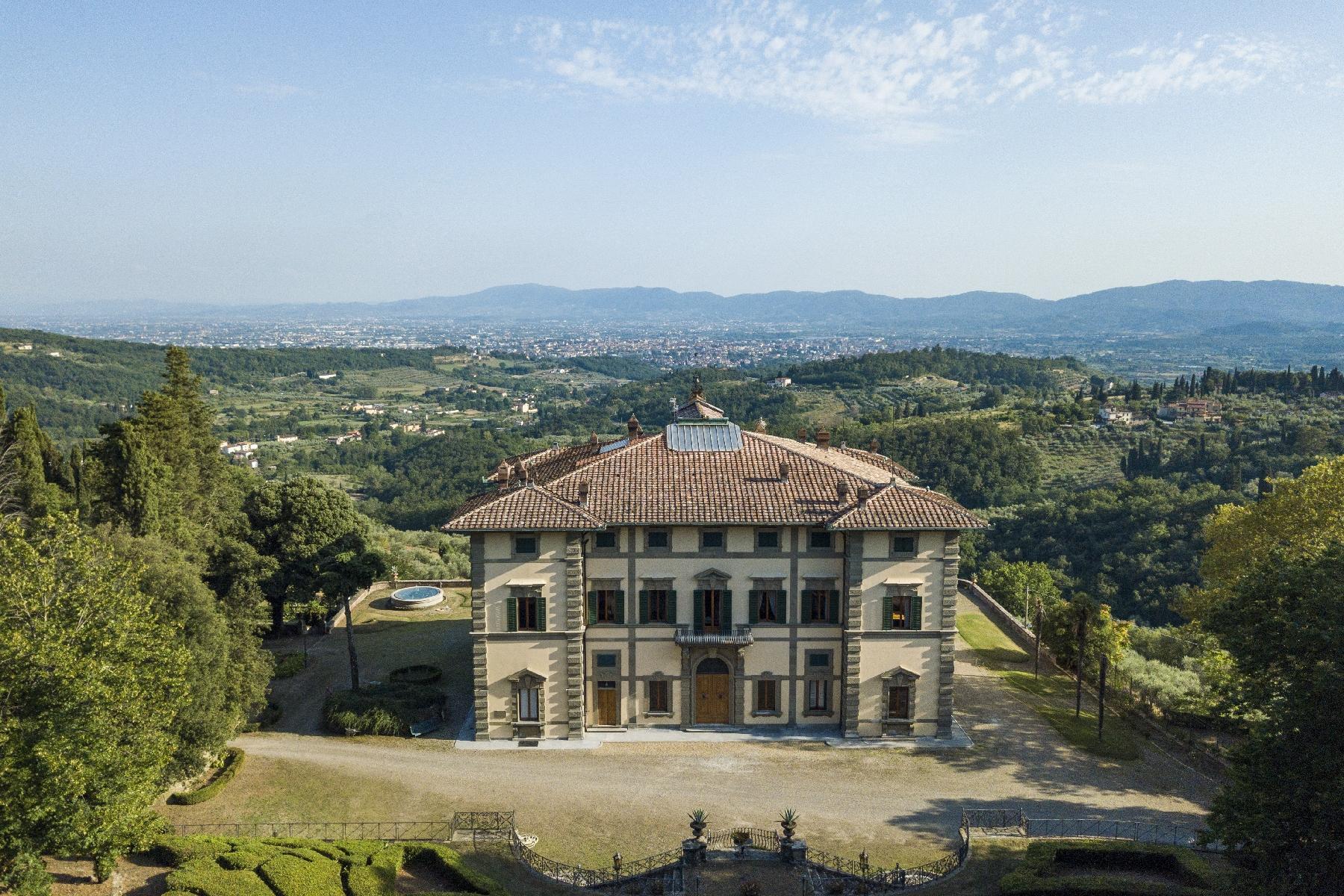 Majestic neo-classical villa - 4