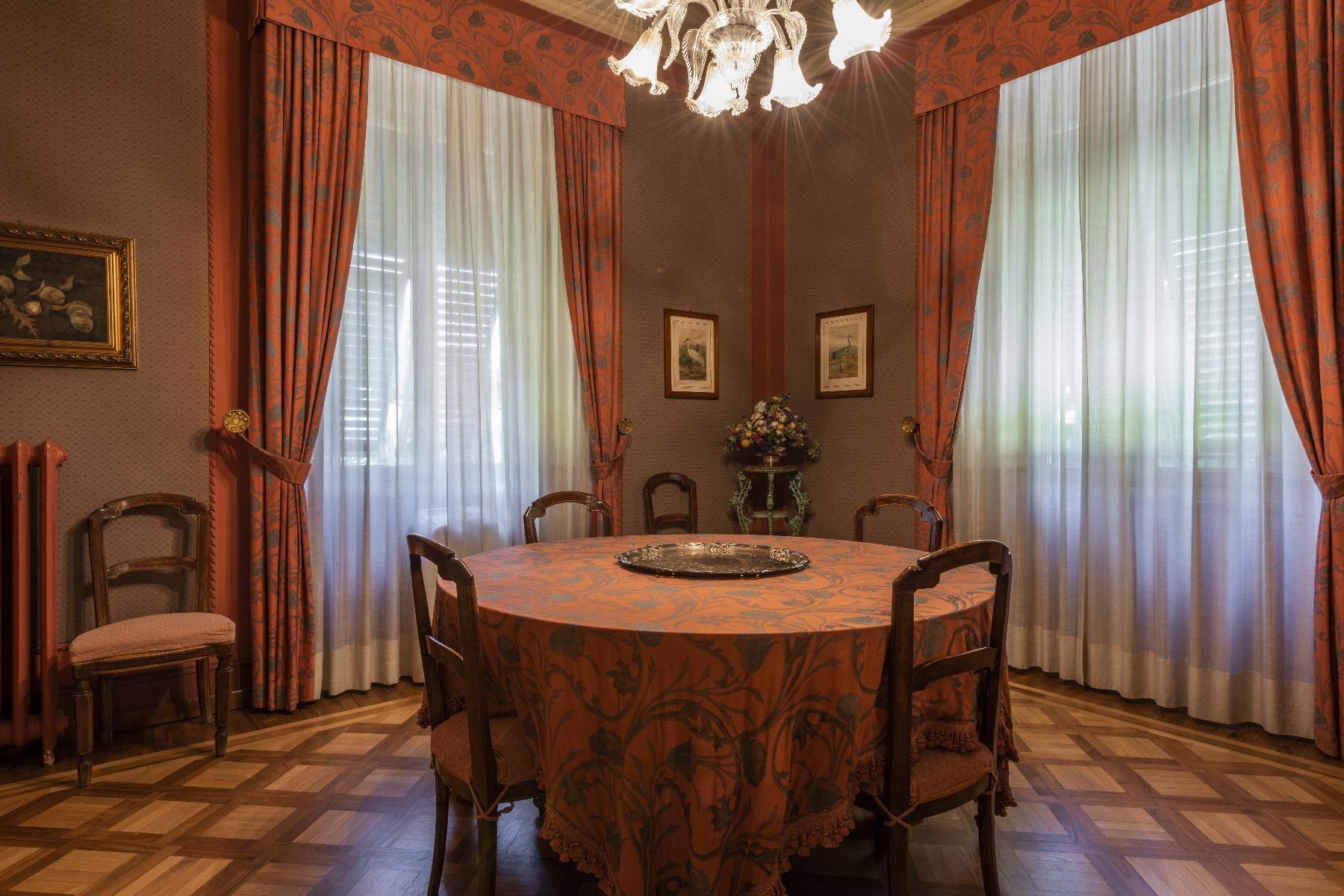 Extraordinary Liberty style villa - 8