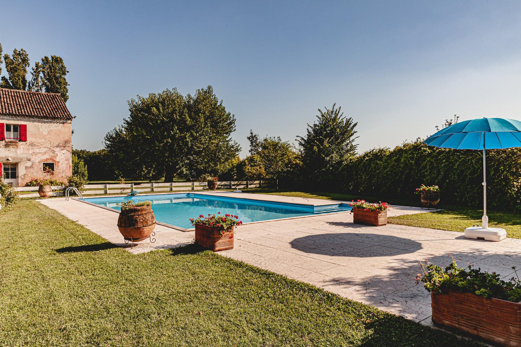 Charming ancient country house with park and pool - 2
