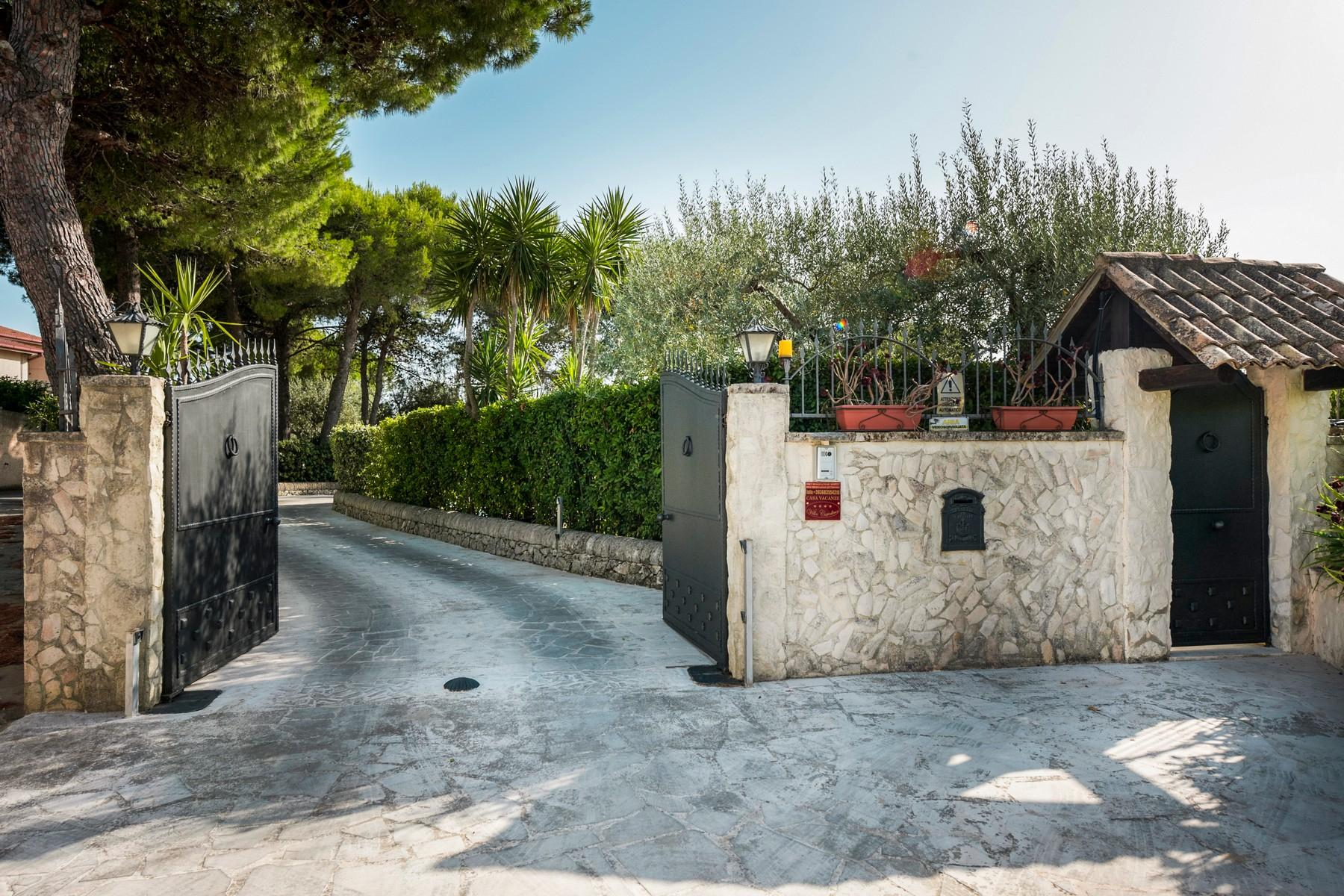 Charmante villa avec piscine - 8