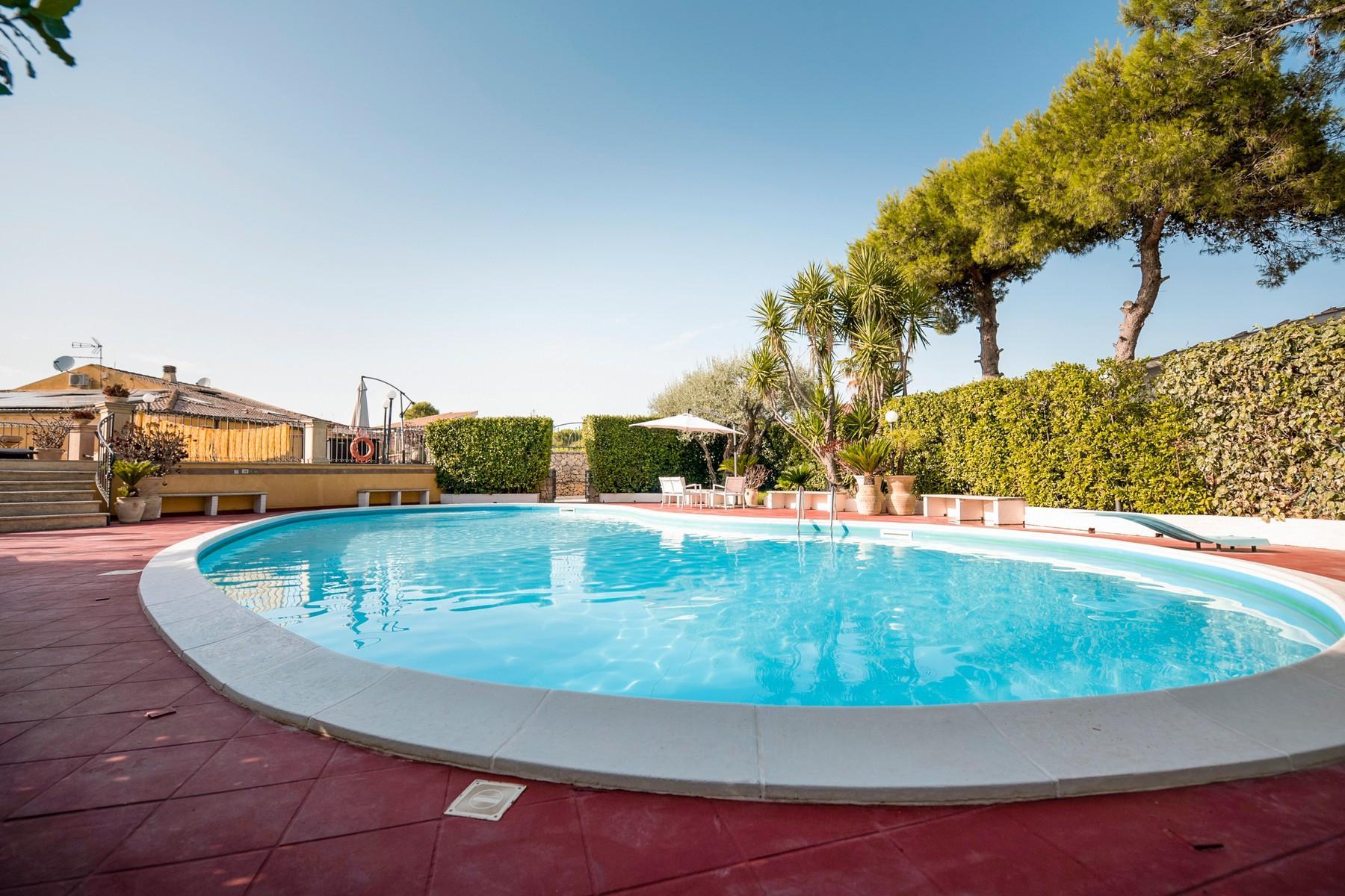 Charmante villa avec piscine - 4