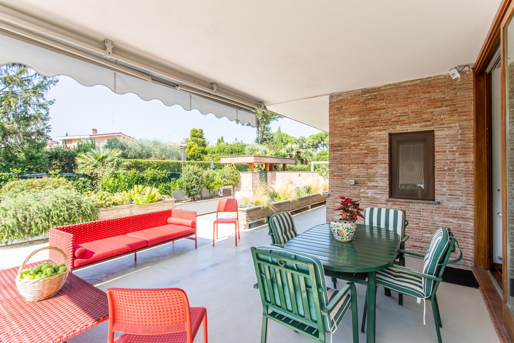 Bright property surrounded by greenery - 11