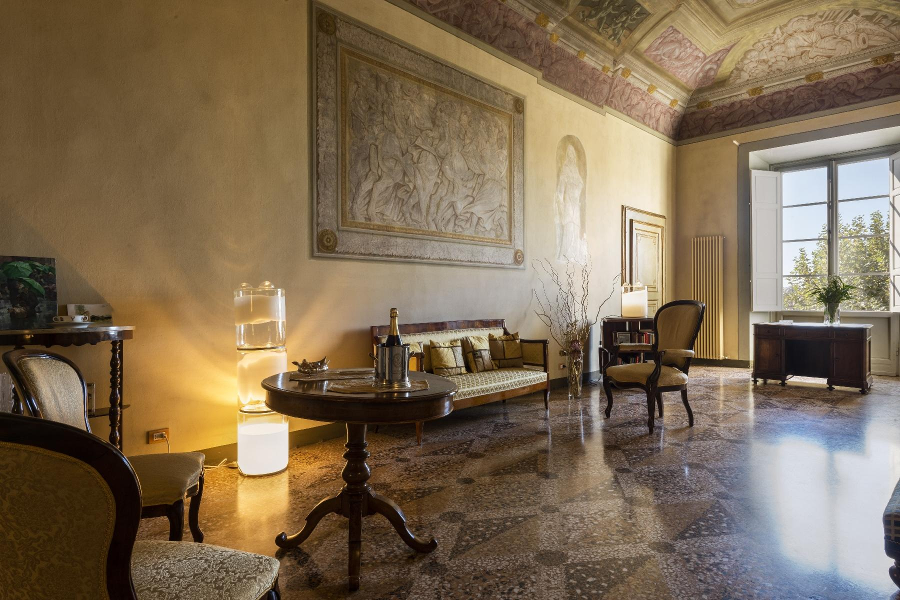 Stunning 18th century villa in the heart of Tuscany - 10