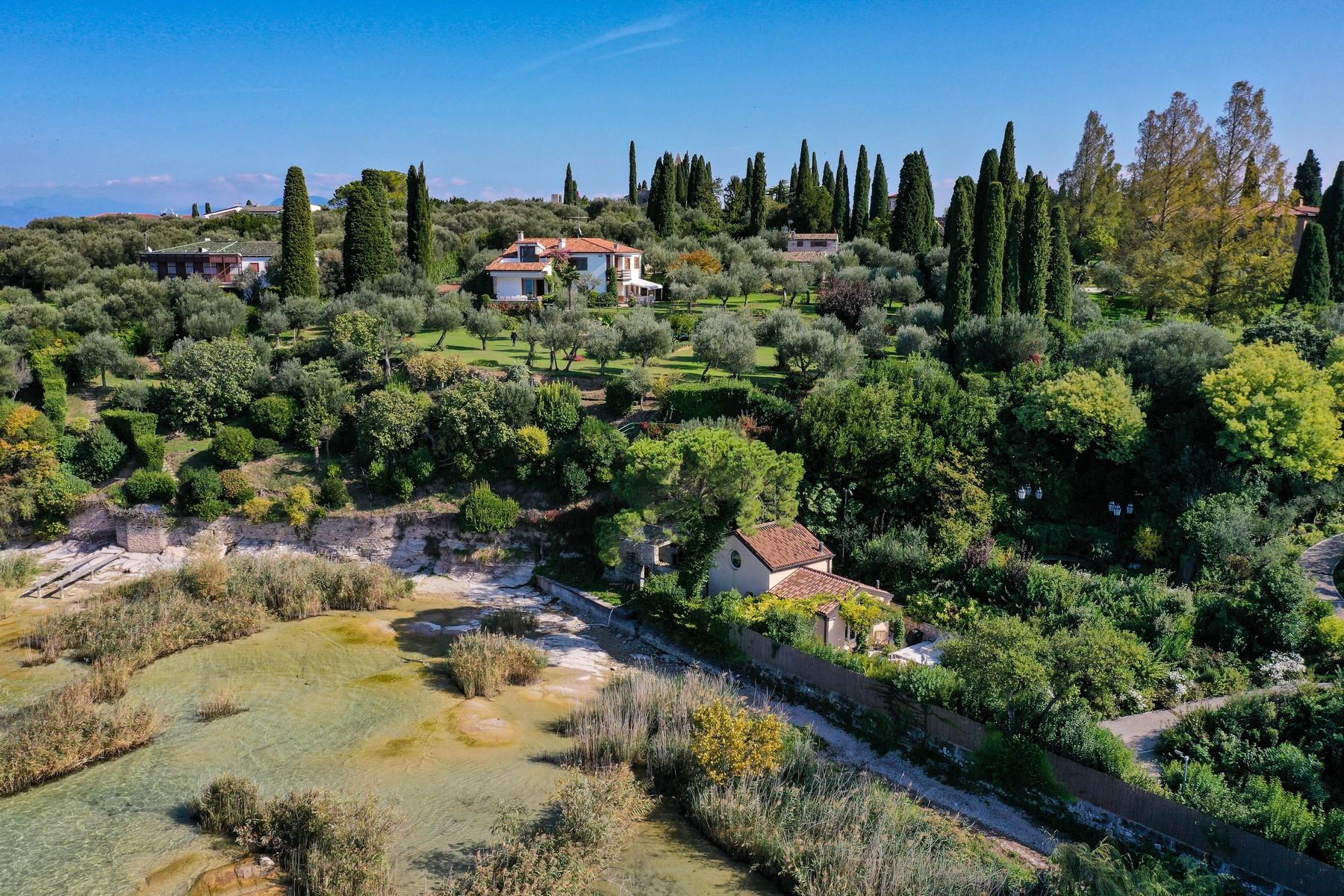 Exclusive pieds dans l'eau villa on the peninsula of Sirmione - 5