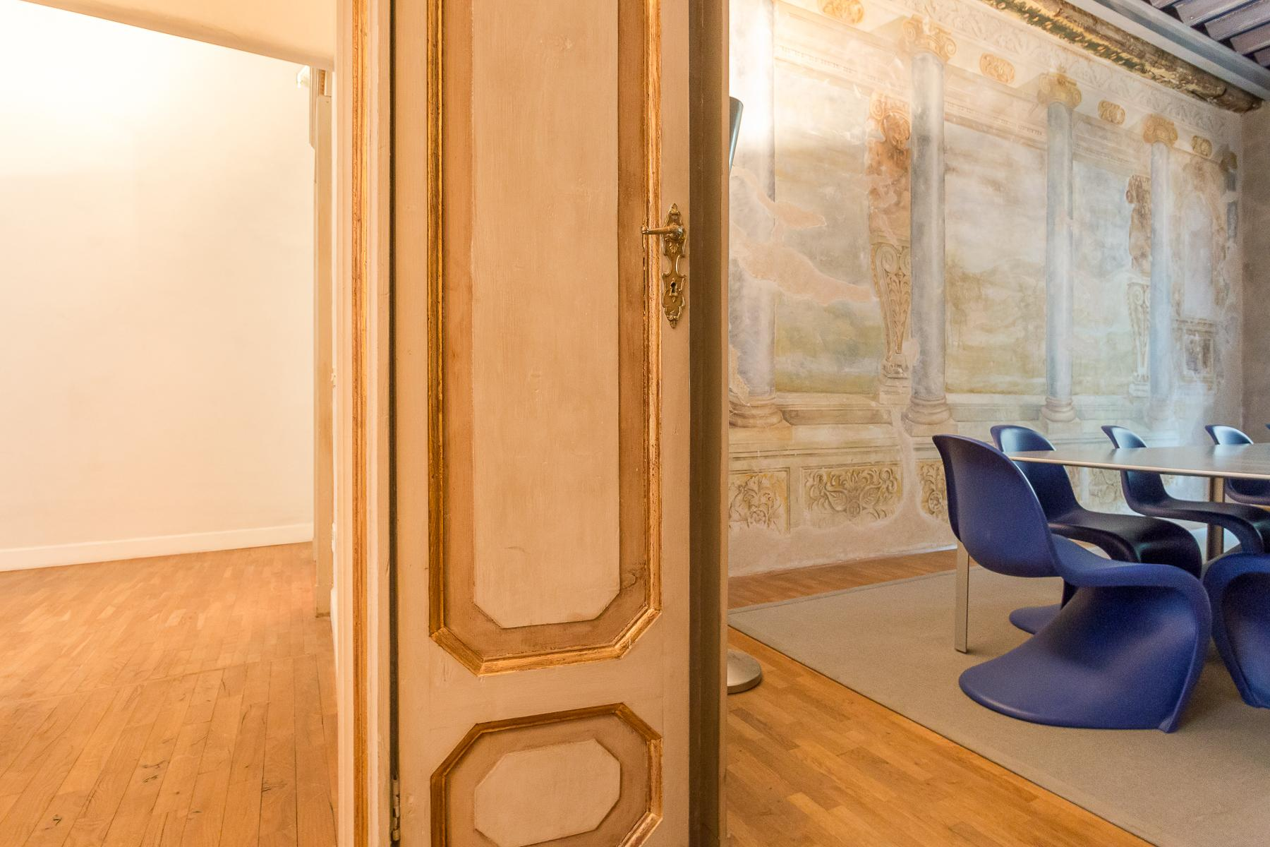 Elegant frescoed office in a historic 18th century building - 12
