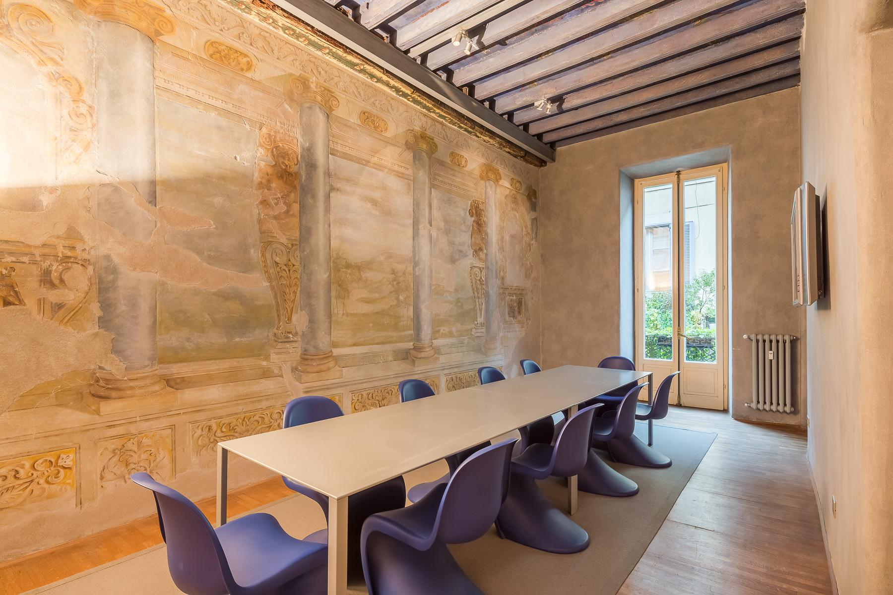 Elegant frescoed office in a historic 18th century building - 1