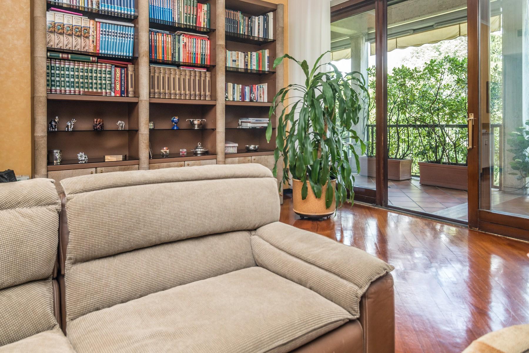Elegant 250 sqm apartment with terraces - 15
