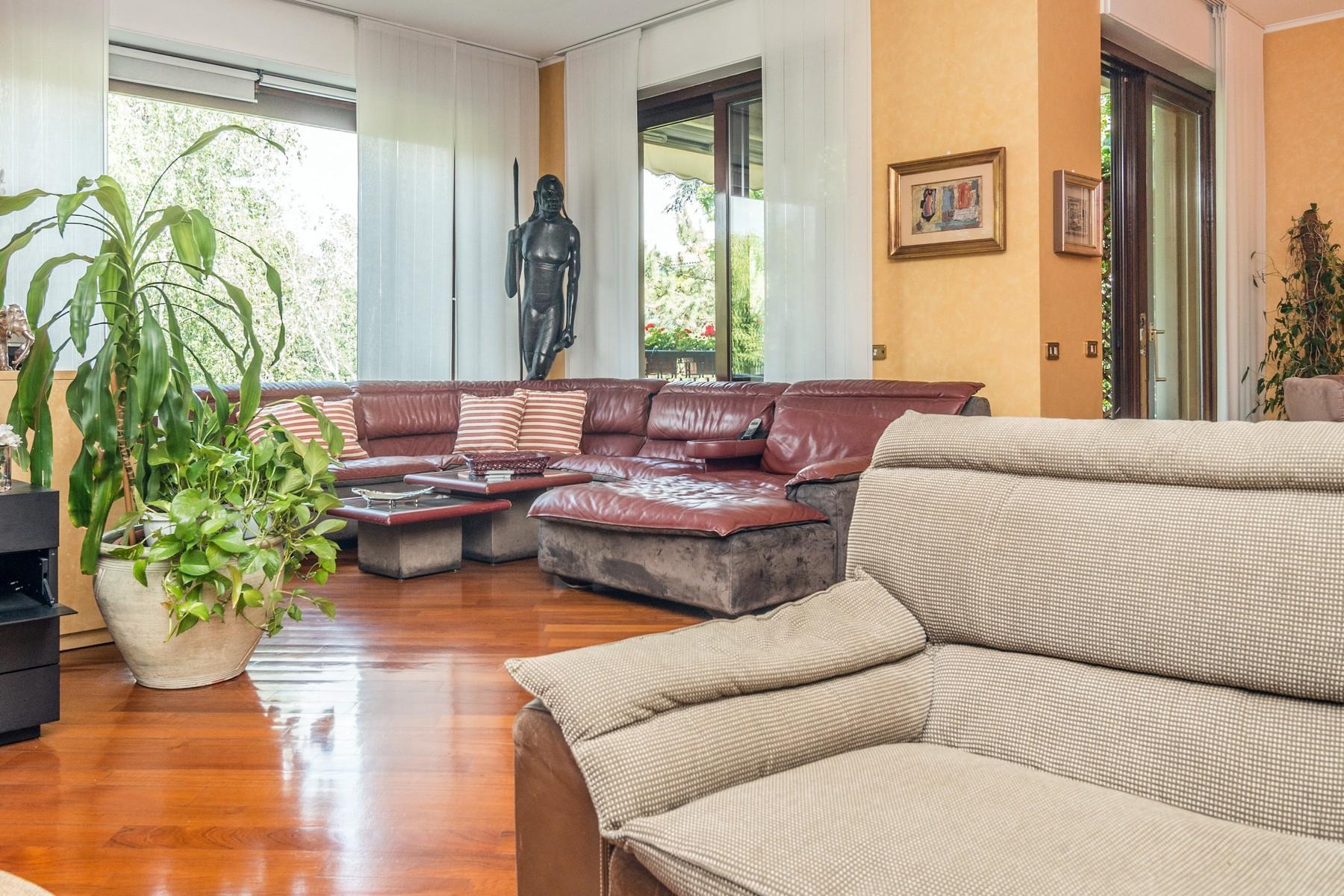 Elegant 250 sqm apartment with terraces - 14