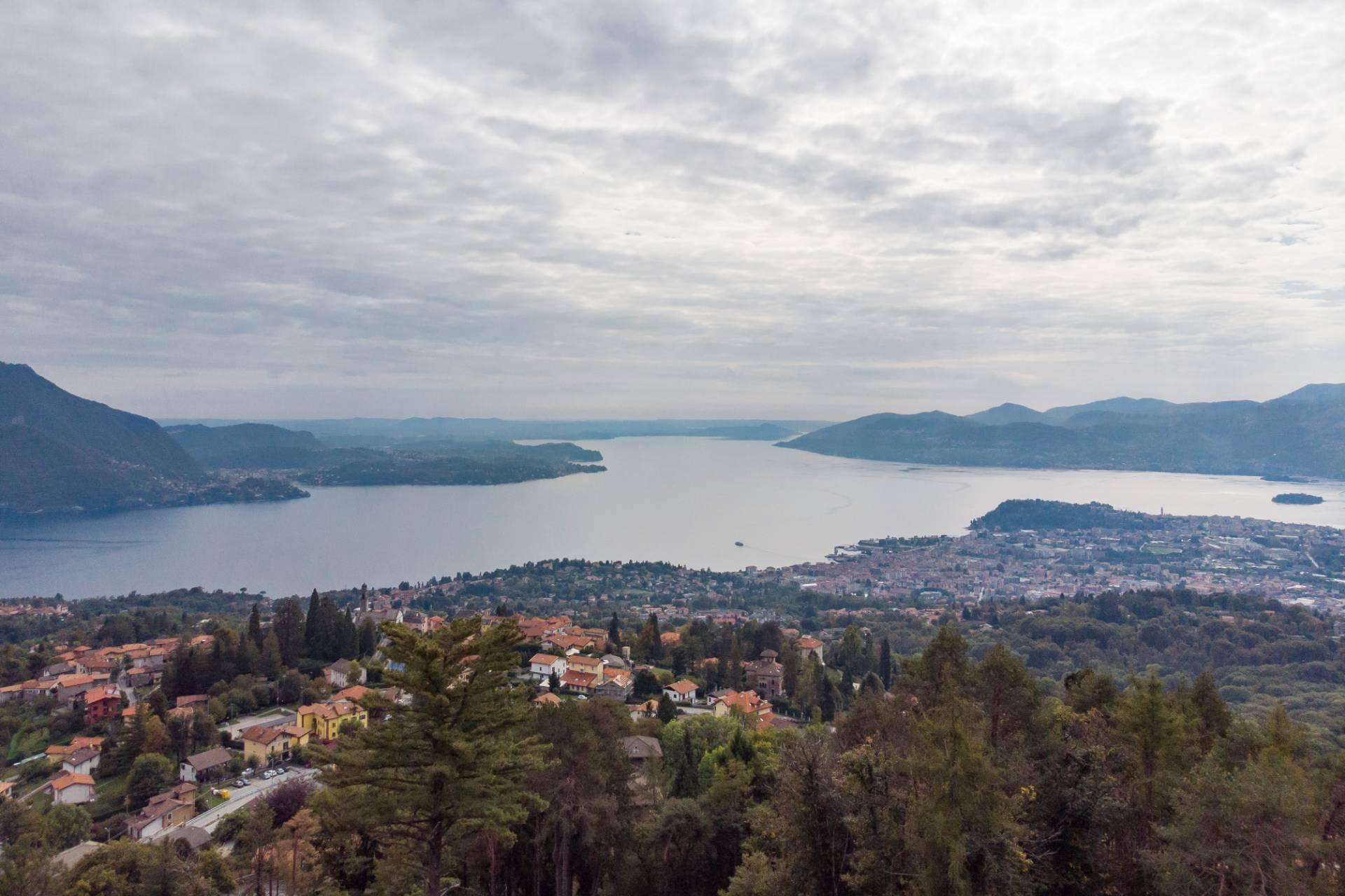 Villa unifamiliare nella zona collinare di Verbania con vista magnifica sul lago - 7