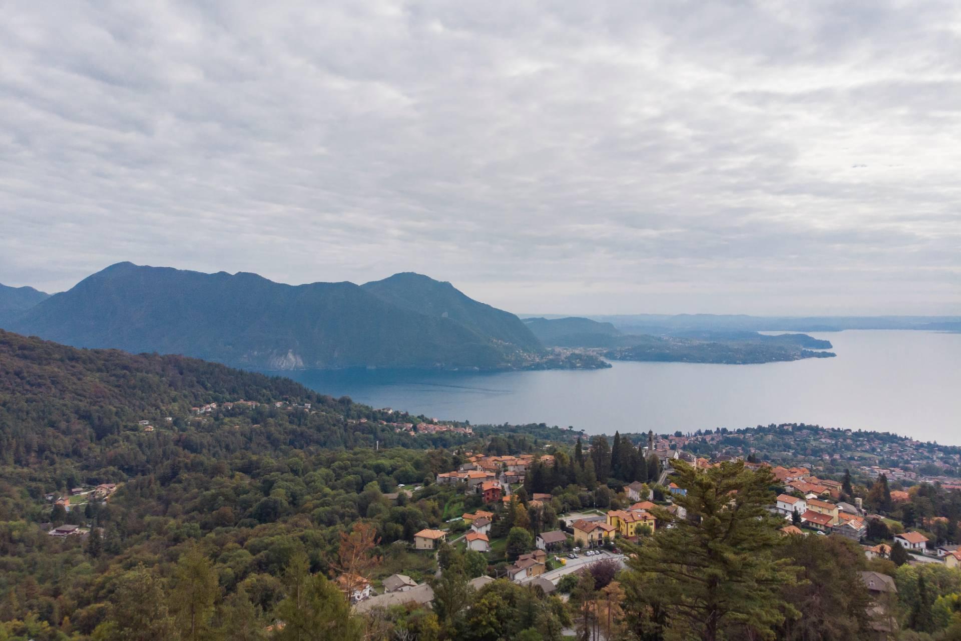 Villa unifamiliare nella zona collinare di Verbania con vista magnifica sul lago - 8