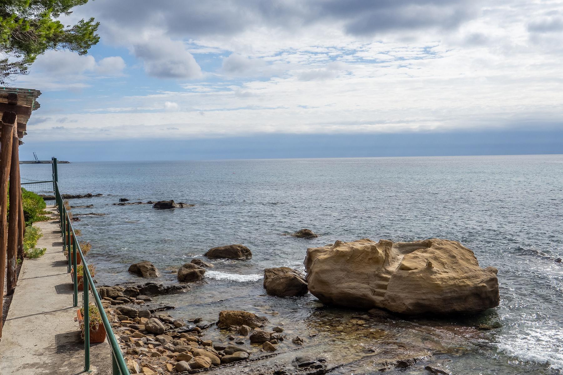 Historische unabhängige Villa mit privatem Zugang zum Meer - 31