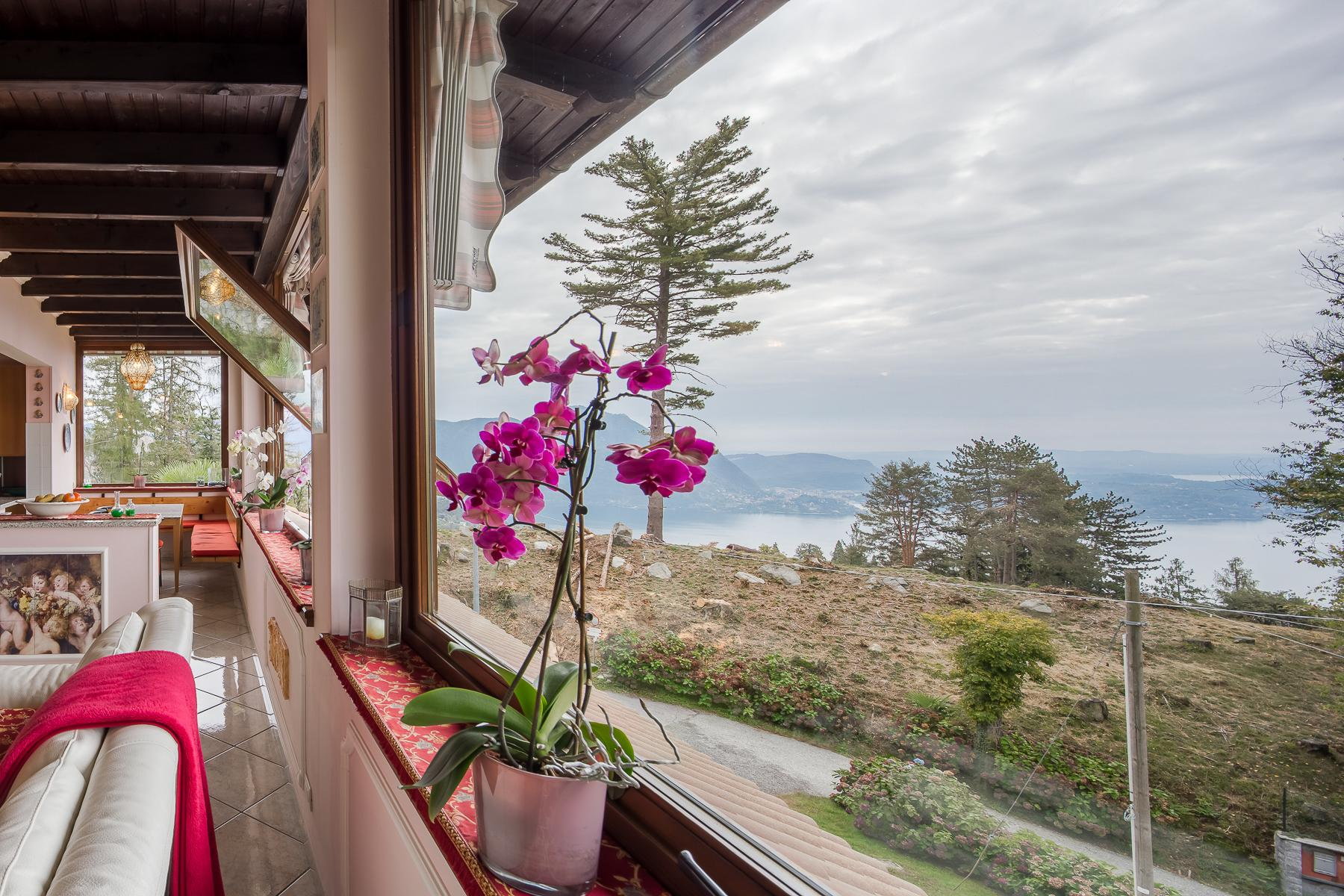Villa unifamiliare nella zona collinare di Verbania con vista magnifica sul lago - 1