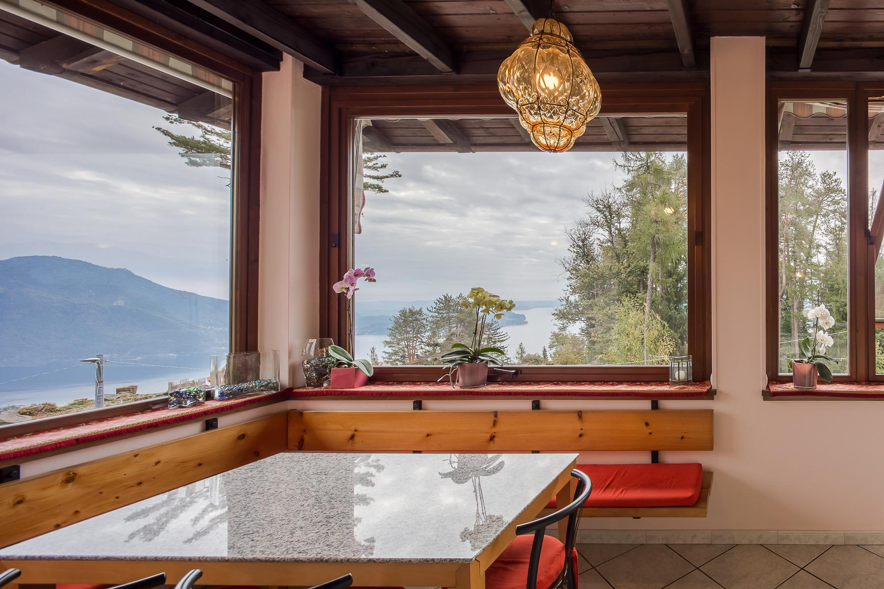 Villa unifamiliare nella zona collinare di Verbania con vista magnifica sul lago - 2