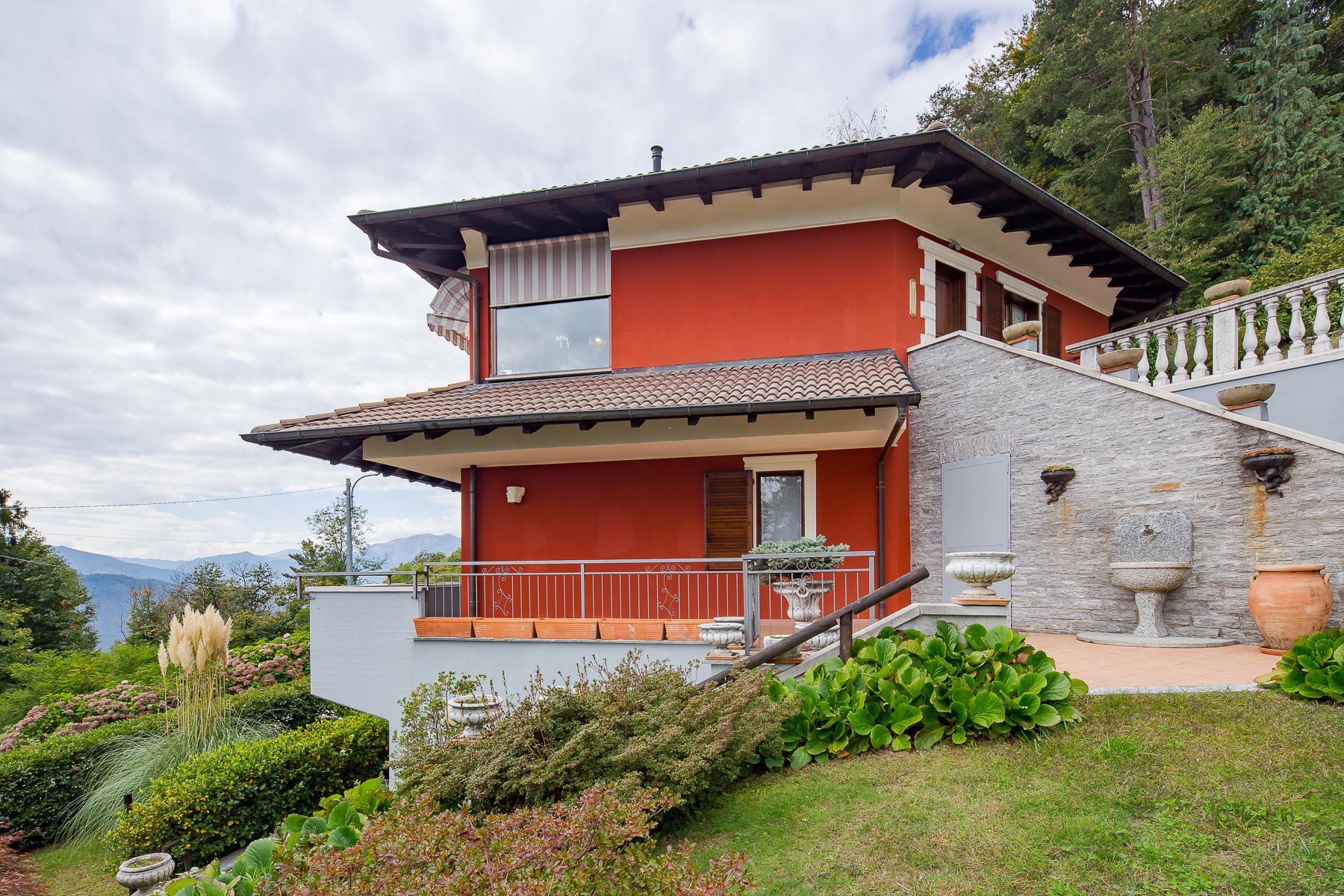 Villa unifamiliare nella zona collinare di Verbania con vista magnifica sul lago - 10