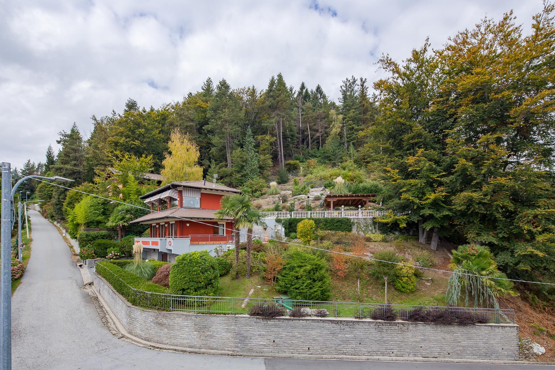 Villa unifamiliare nella zona collinare di Verbania con vista magnifica sul lago - 5