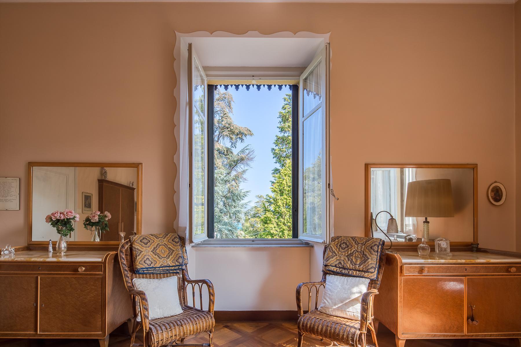 Splendide villa du début du XXè siècle dans le centre-ville de Stresa - 1