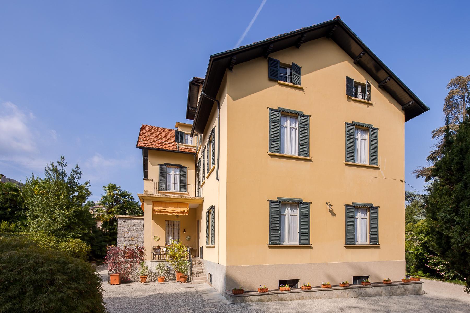 Splendide villa du début du XXè siècle dans le centre-ville de Stresa - 9