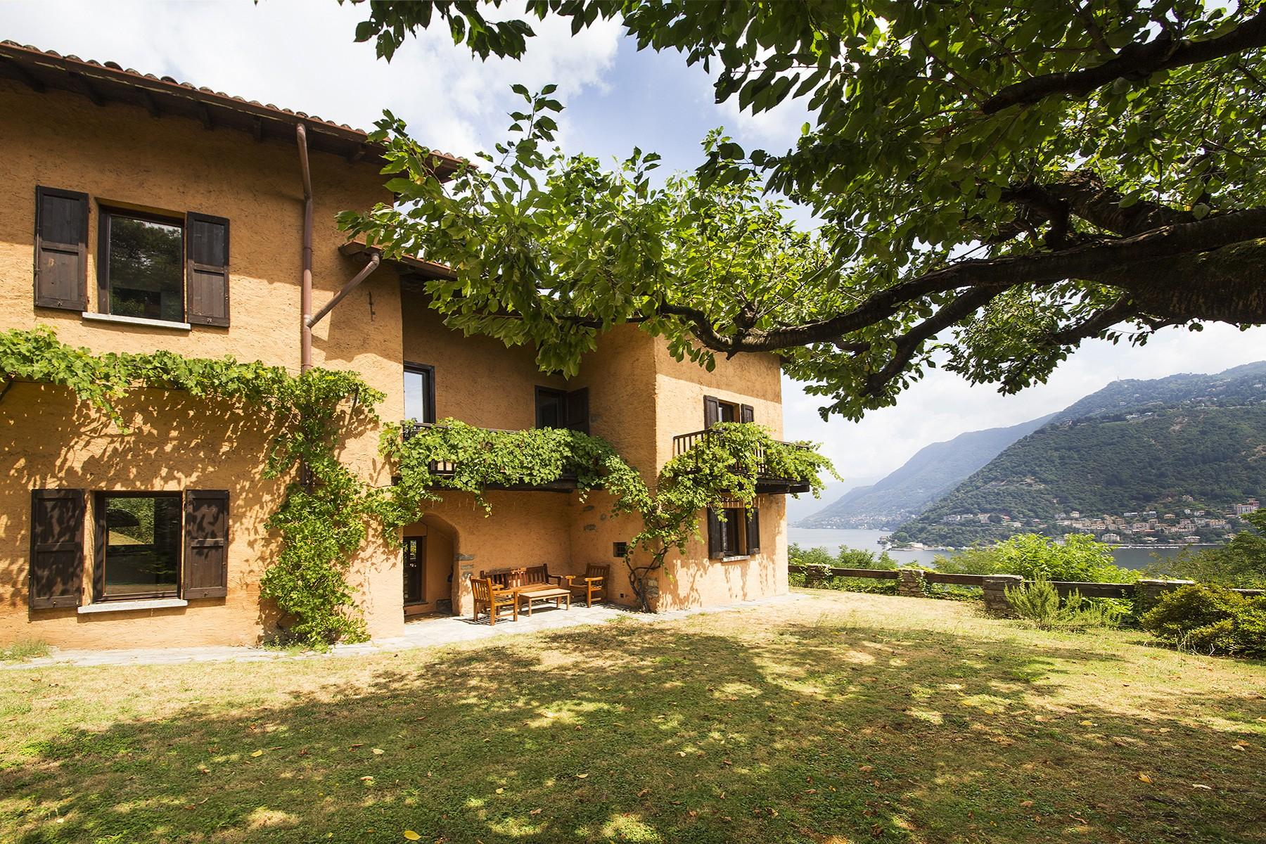 Charming villa on the hills of Como - 1