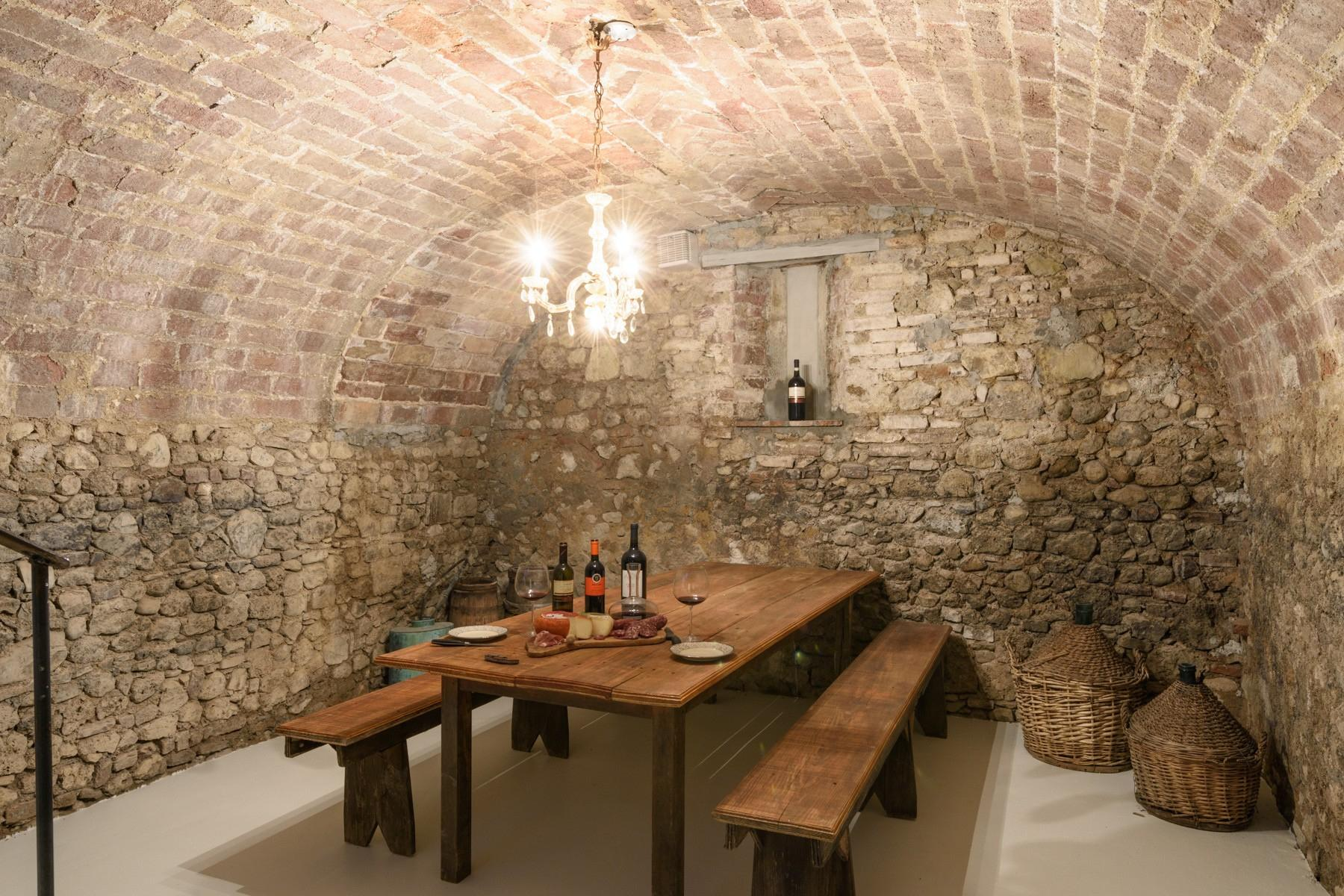 Elegant 13th century country villa - 15