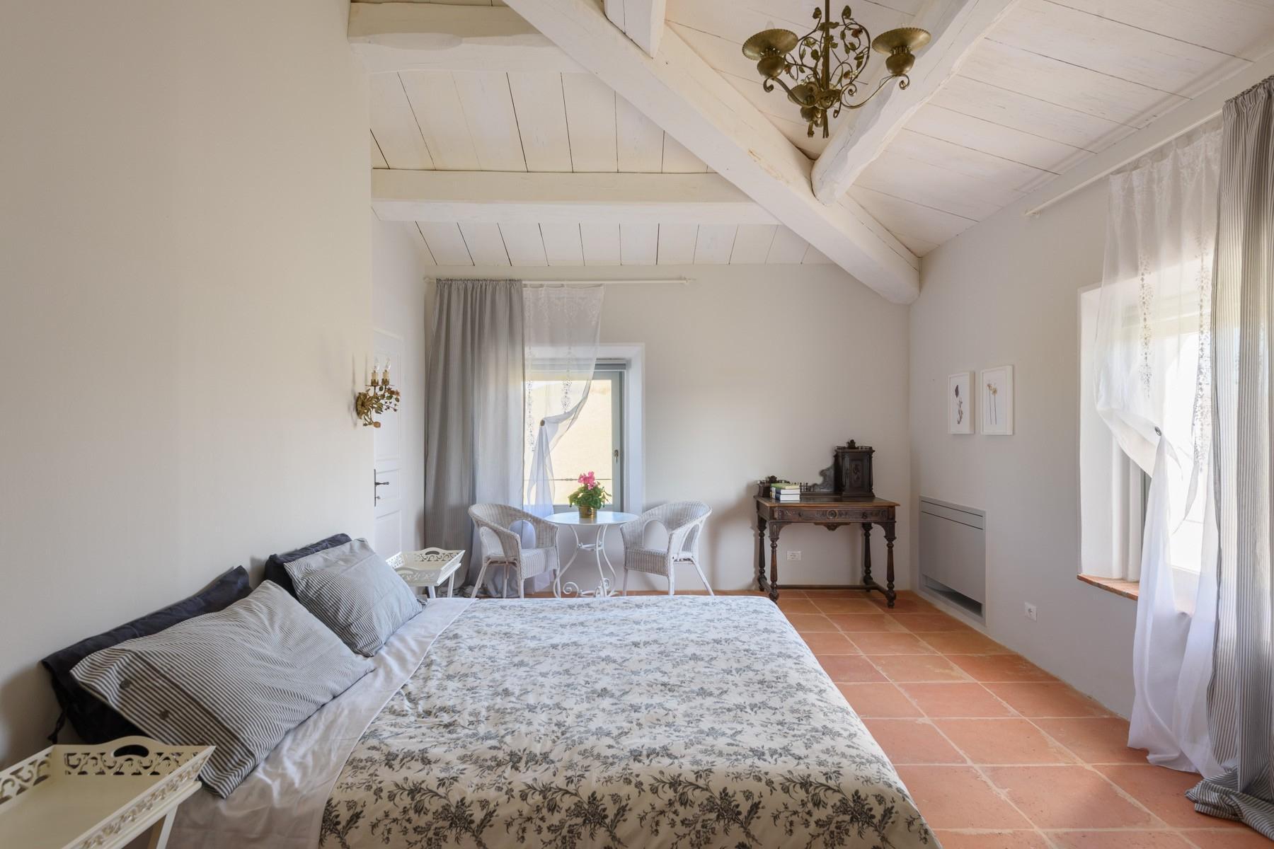 Elegant 13th century country villa - 24