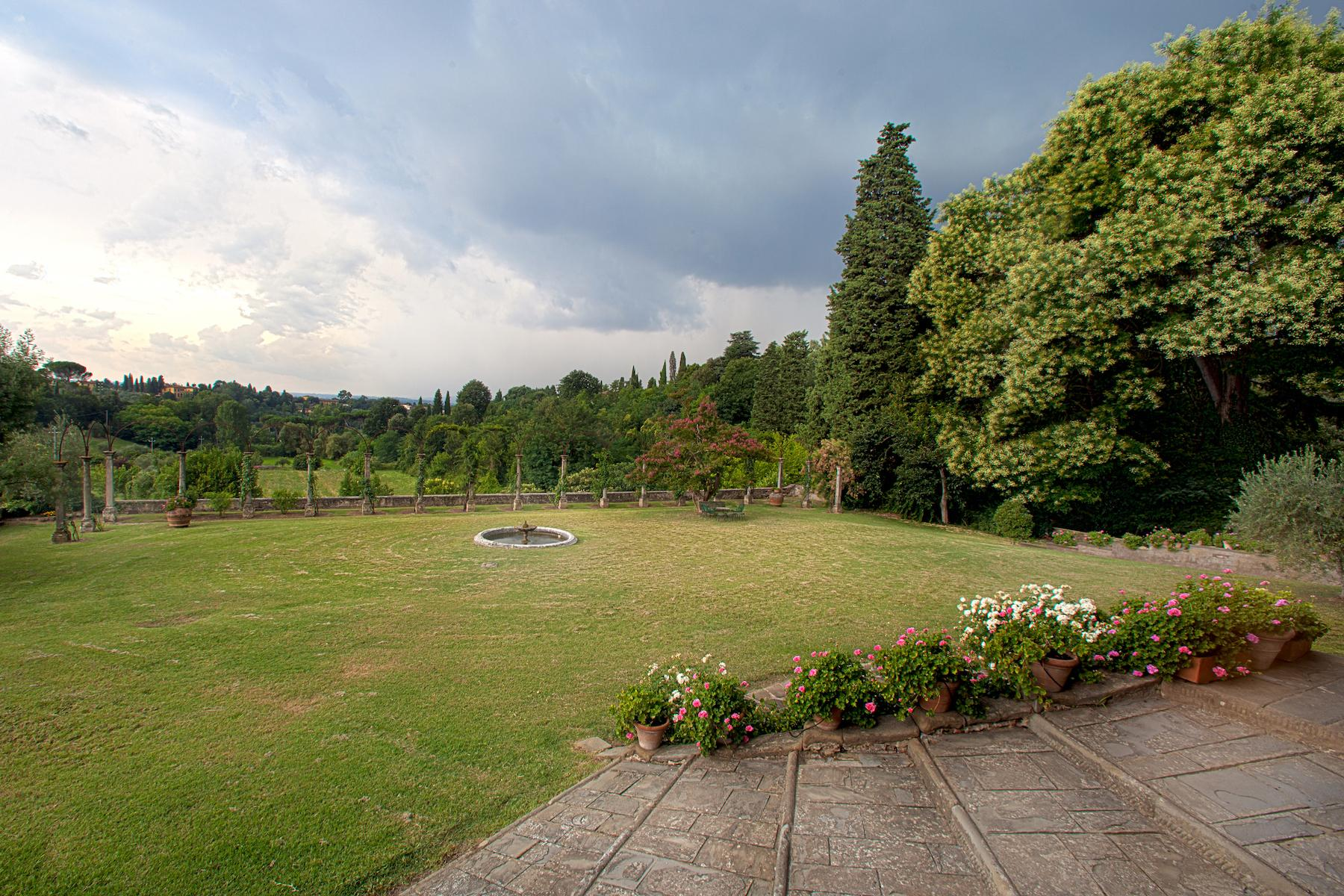 An important villa with pool on the hills of Florence - 17