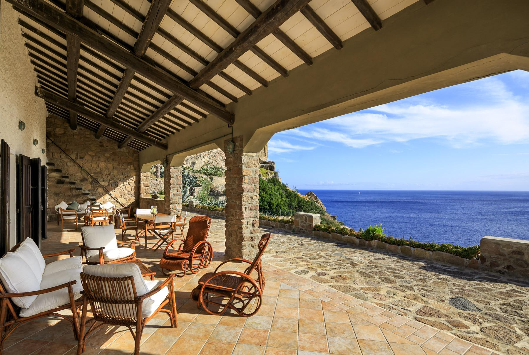 Enchanting sea front villa on  Capraia Isle - 32