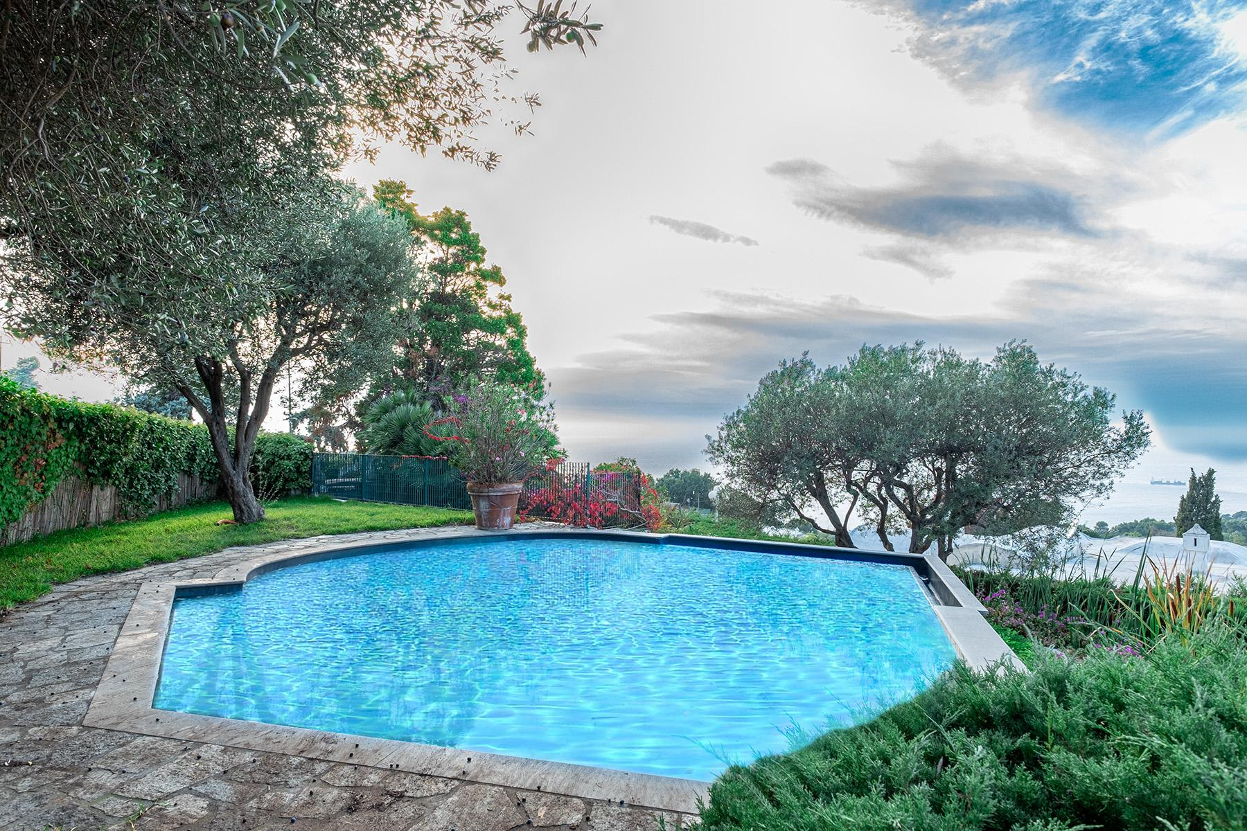 Panoramic villa with swimming pool in Anacapri city center - 3