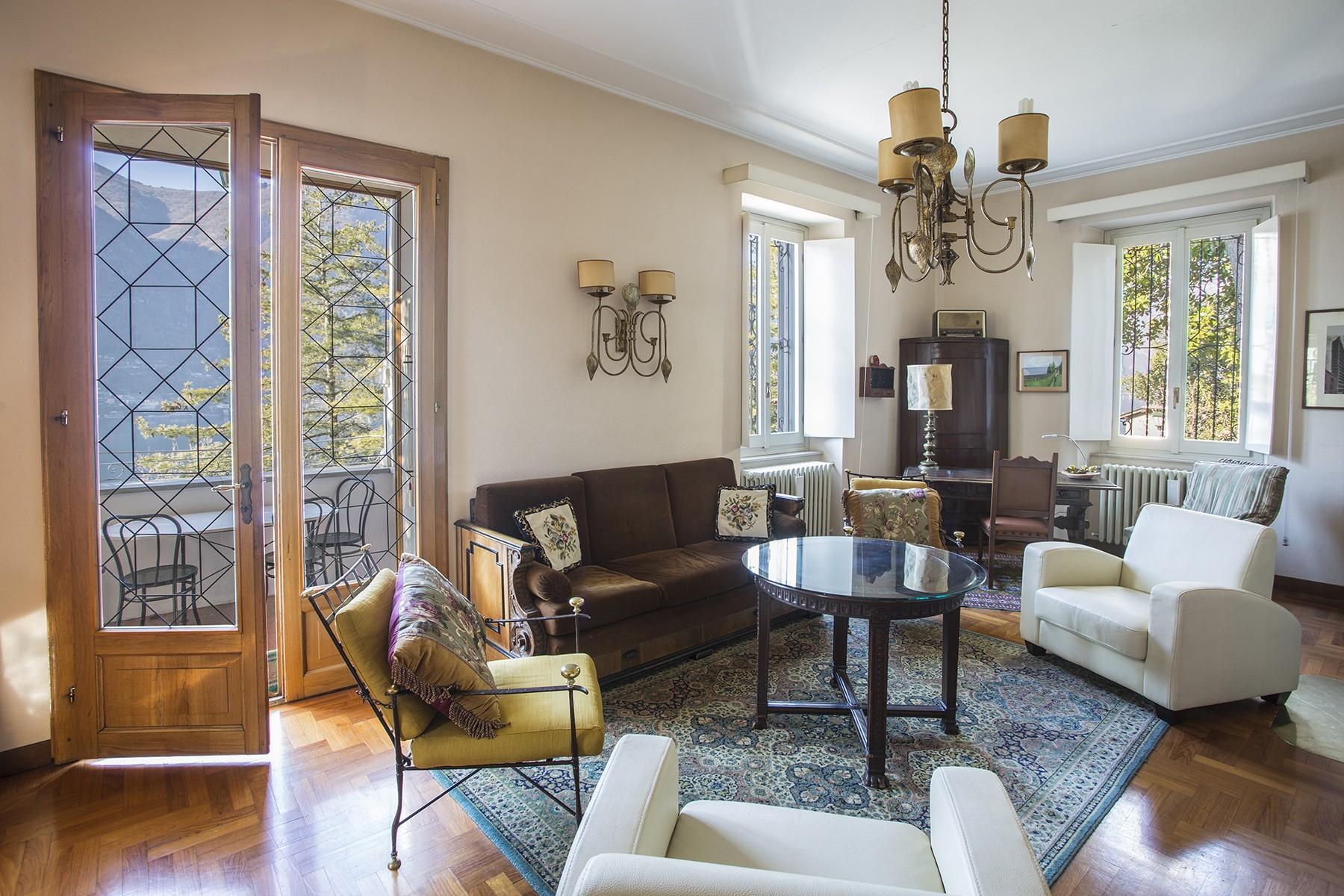 Elegant period villa with splendid lakeviews - 11