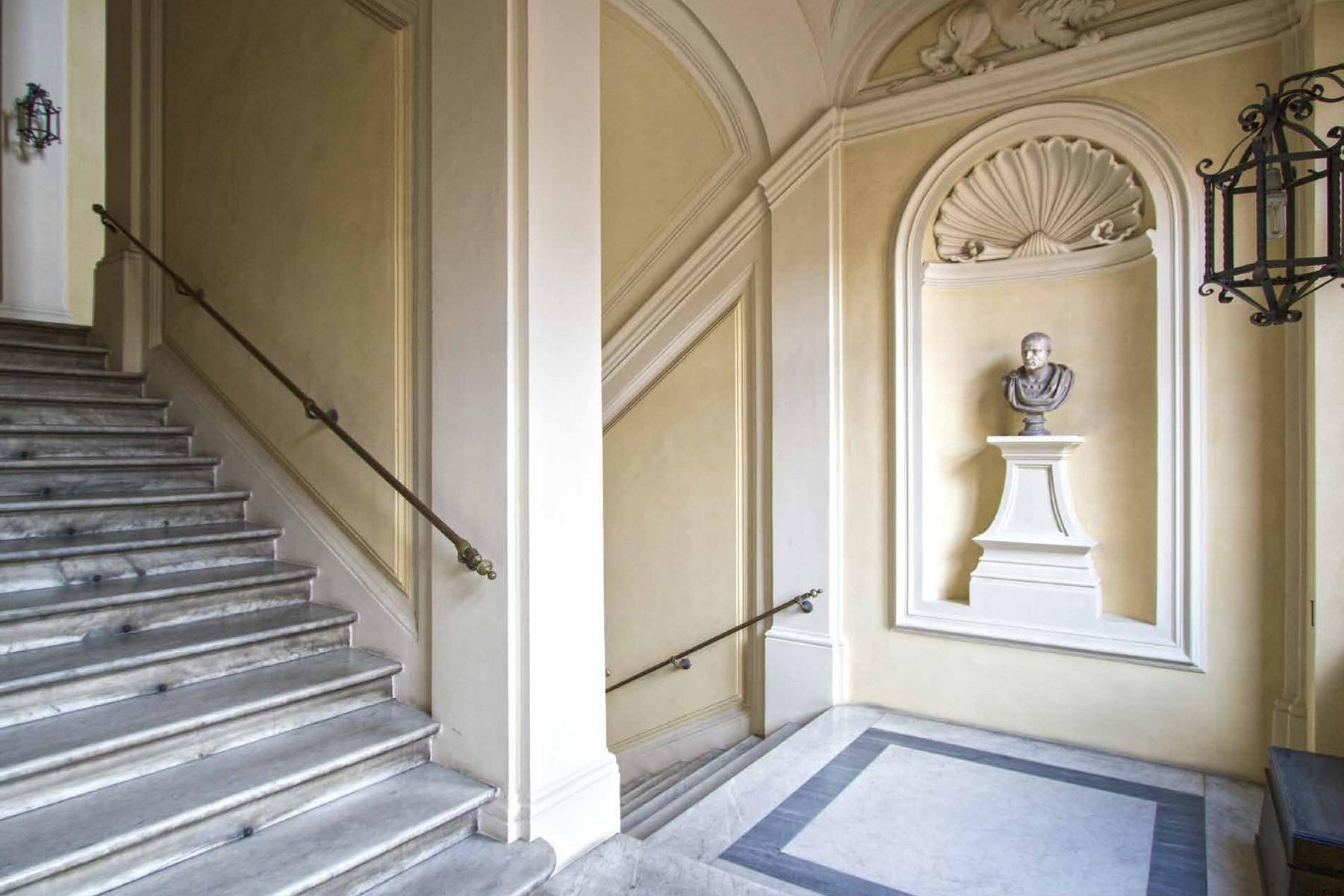 Redeveloped Masterpiece: the Ambassador Executive Apartment in the heart of Rome - 15