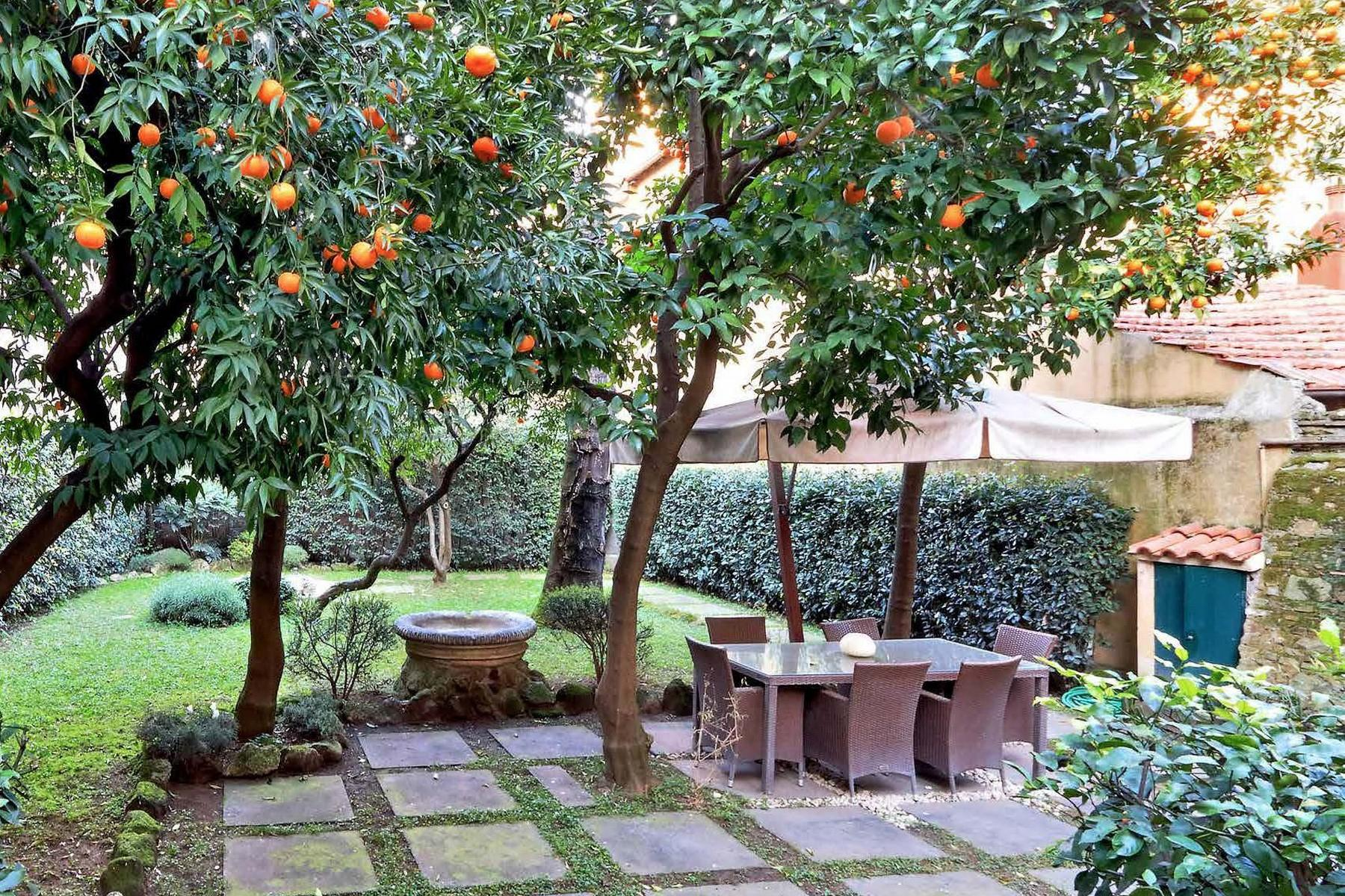 Redeveloped Renaissance: the Garden Apartment in the heart of Rome - 4