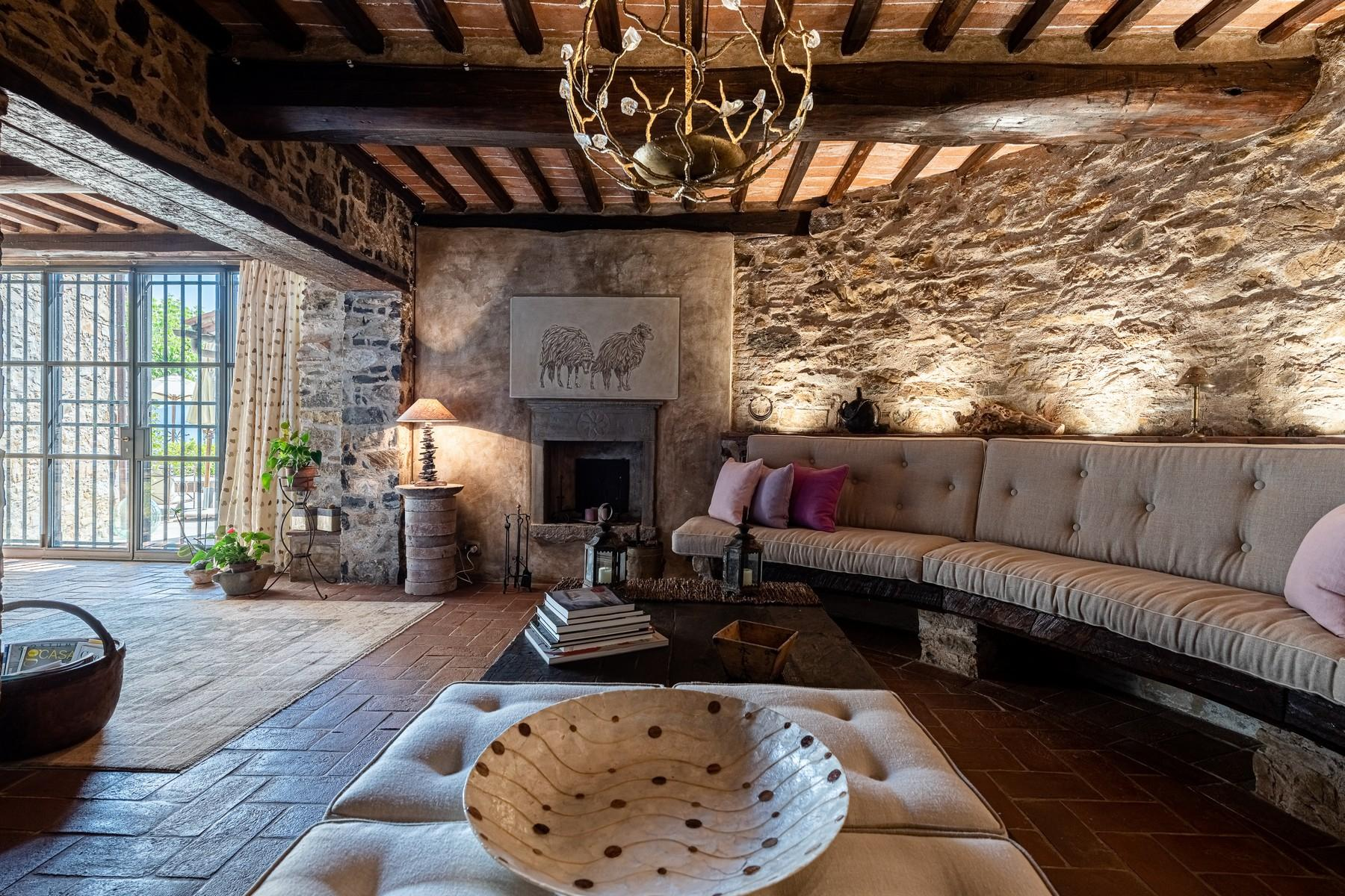 Magical farmhouse with stunning views on the hills of Lucca - 9