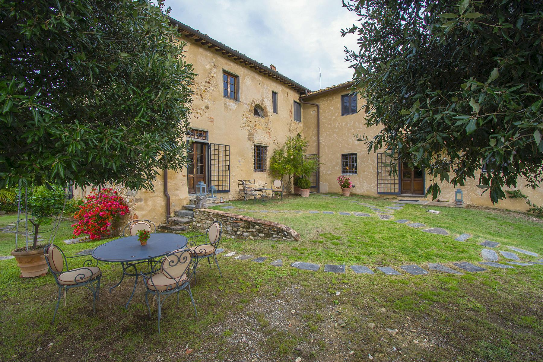 An enchanting villa in Florentine Chianti - 17