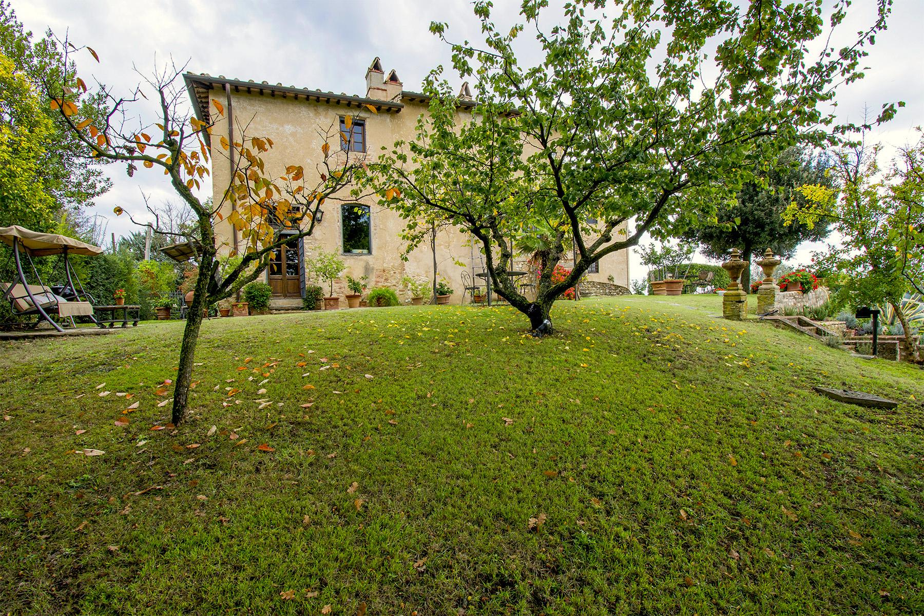 An enchanting villa in Florentine Chianti - 27