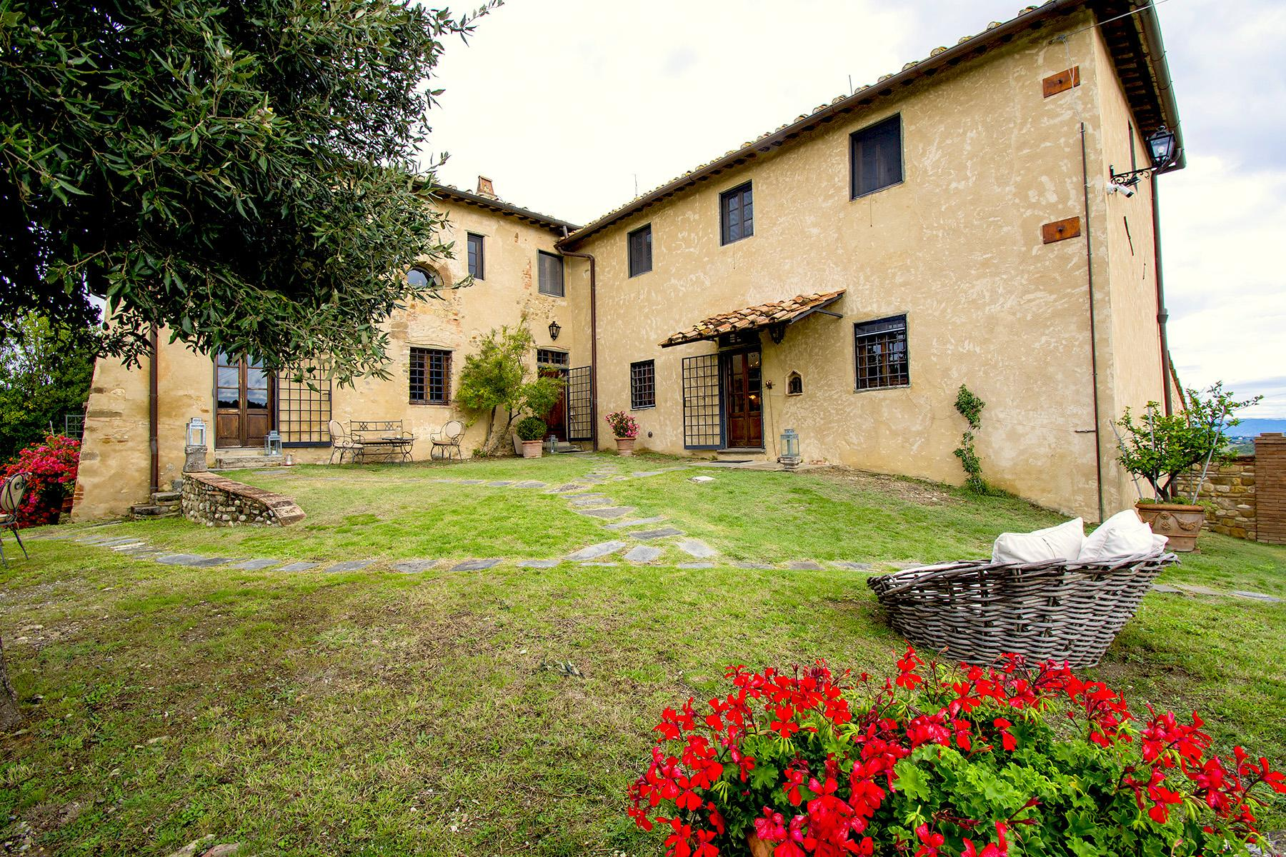 An enchanting villa in Florentine Chianti - 29