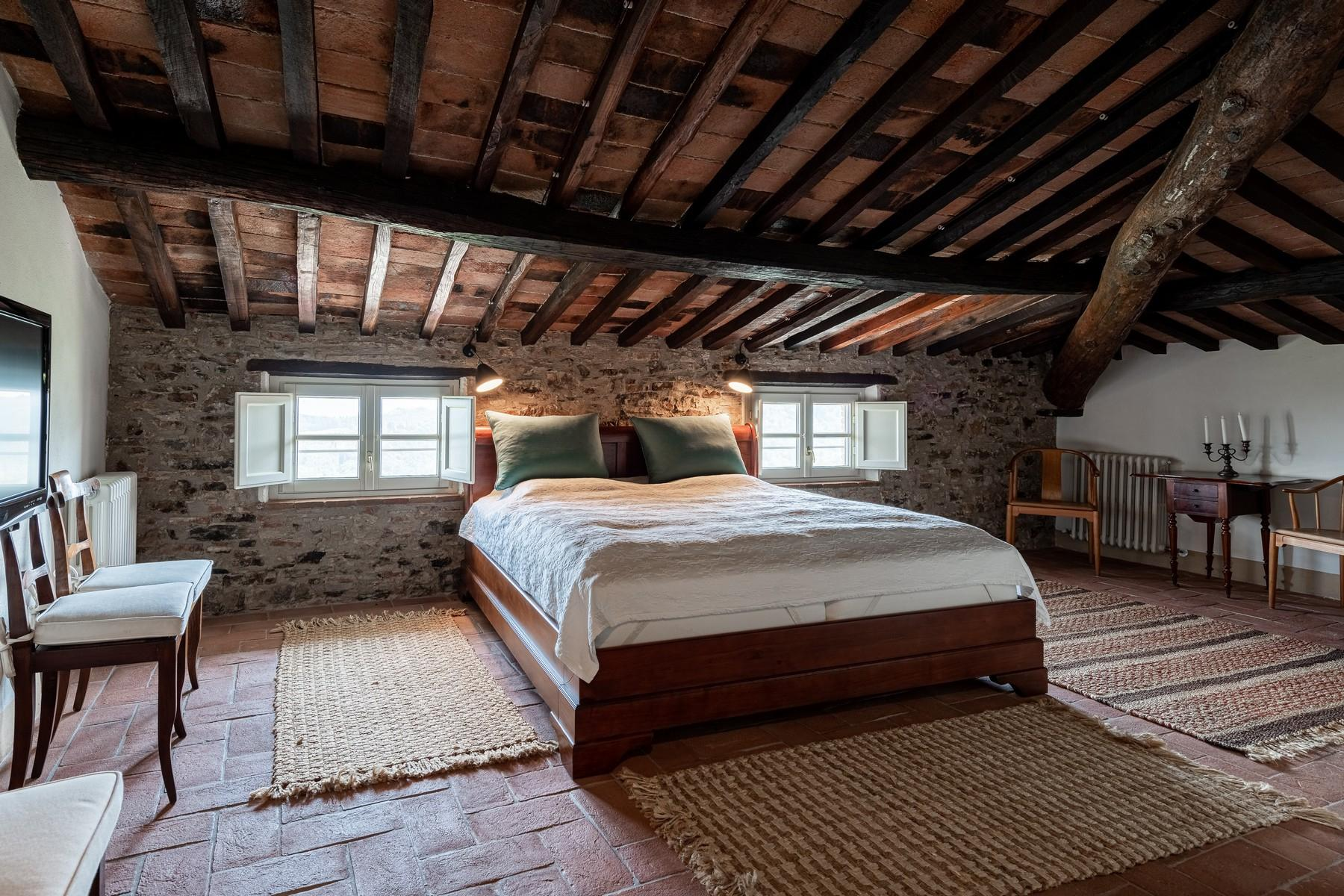Magical farmhouse with stunning views on the hills of Lucca - 10