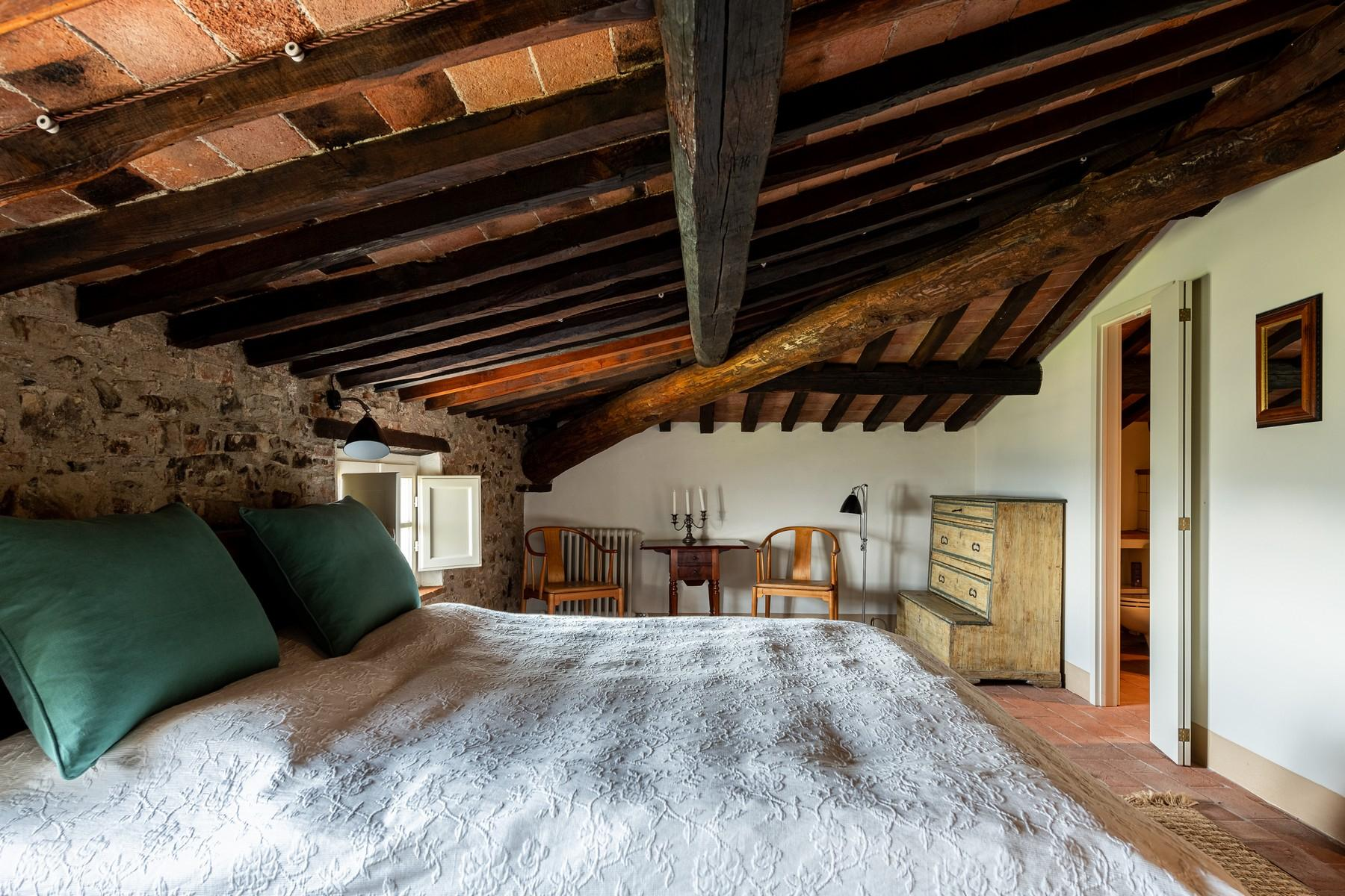 Magical farmhouse with stunning views on the hills of Lucca - 12
